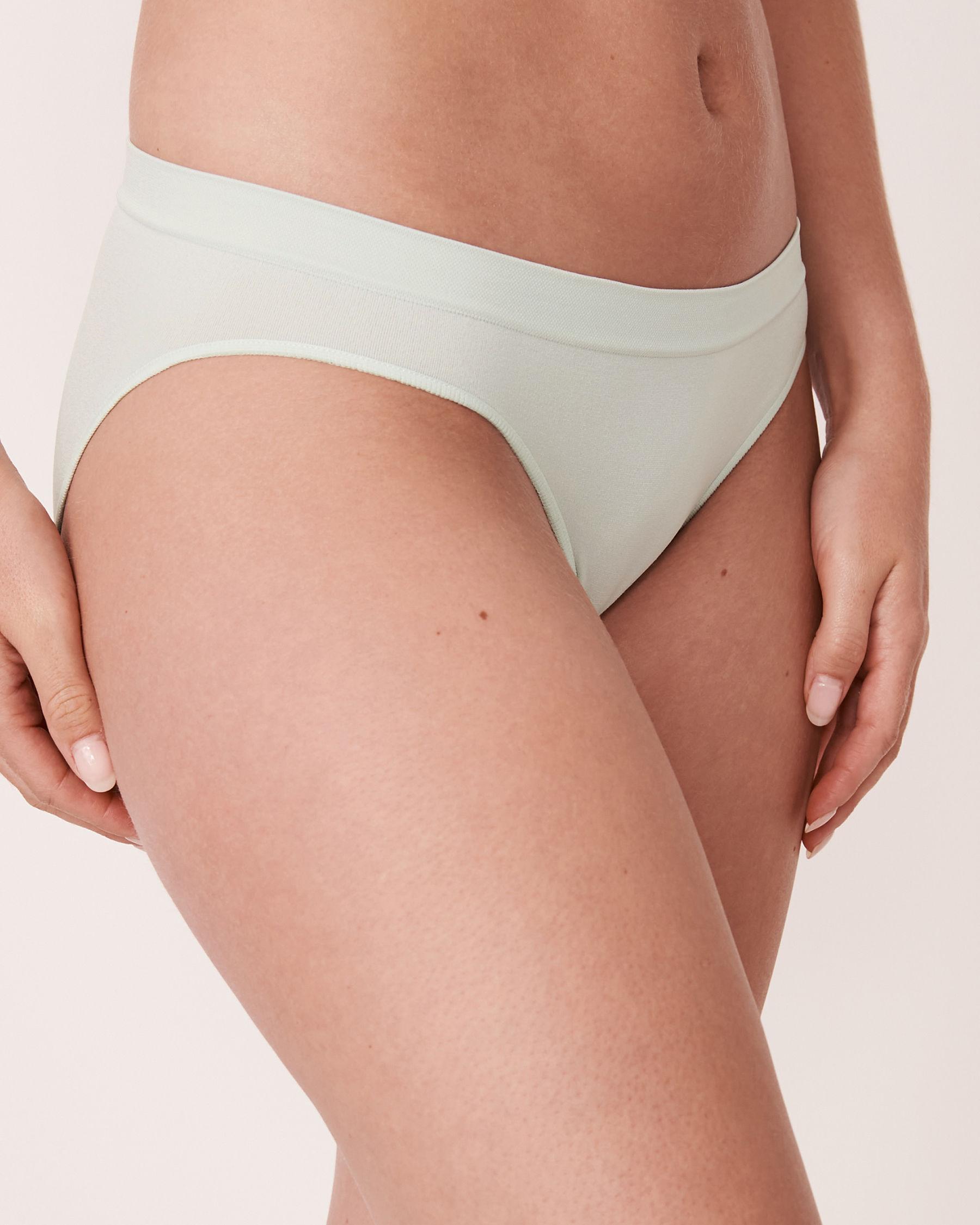 LA VIE EN ROSE Seamless Bikini Panty Sky 20200037 - View1