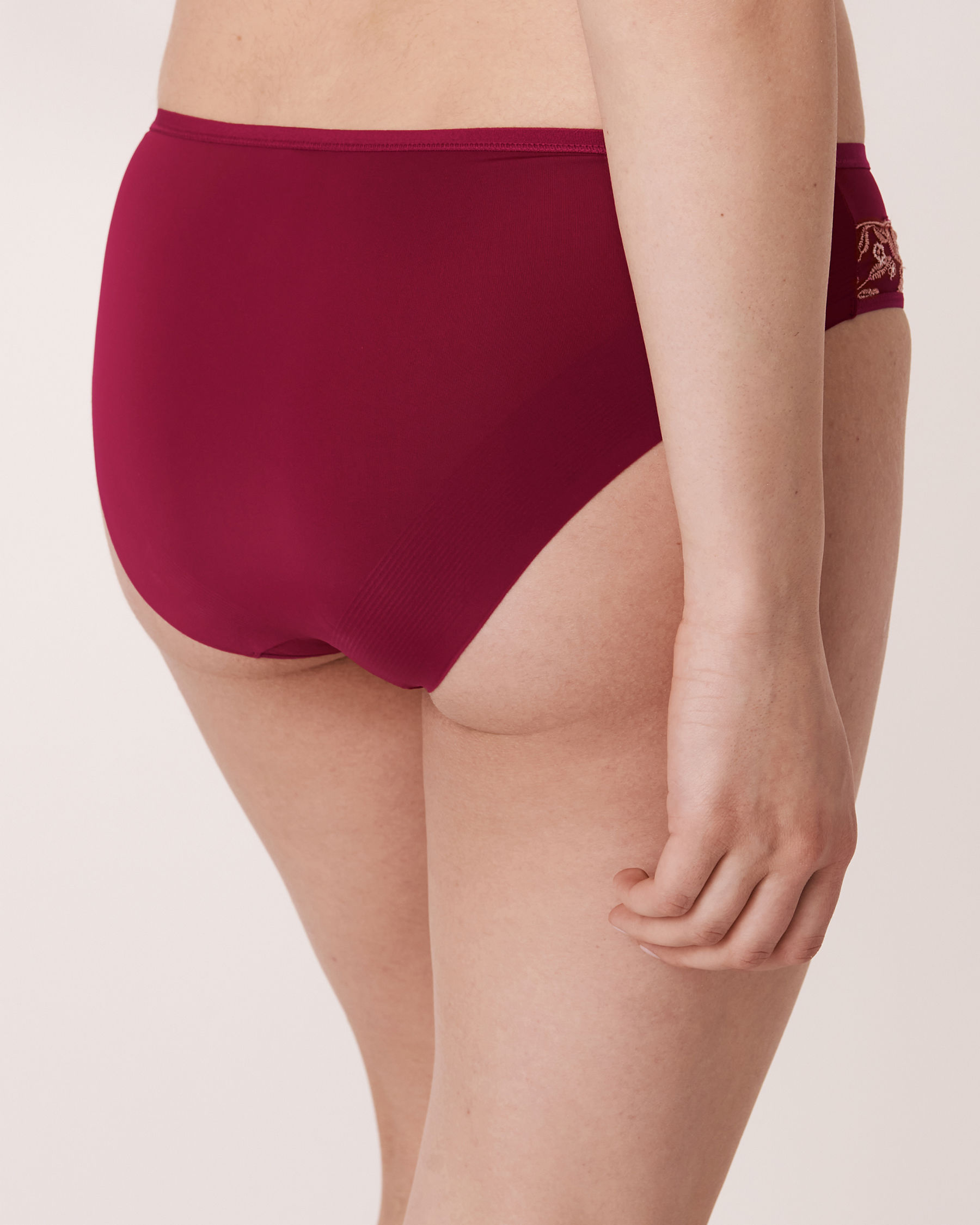 LA VIE EN ROSE Culotte bikini Fleur brodée 20300034 - Voir2
