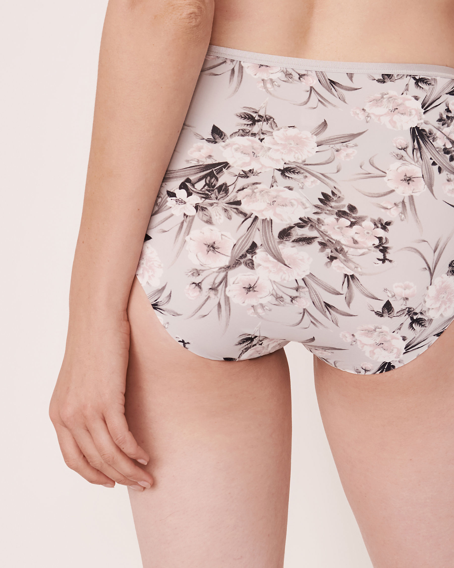 LA VIE EN ROSE High Waist Bikini Panty Grey bouquet 20300056 - View2