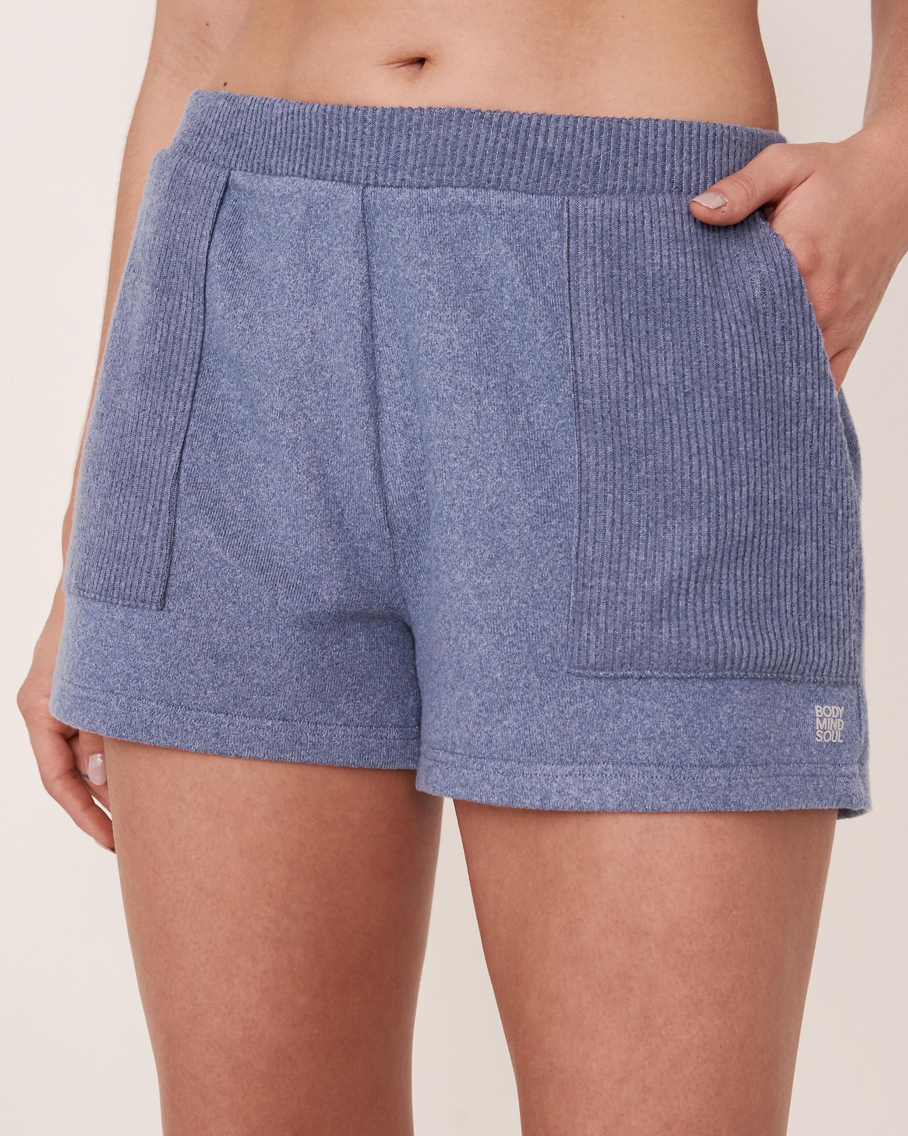 LA VIE EN ROSE Short en tricot doux Mélange bleu jeans 50200007 - Voir1