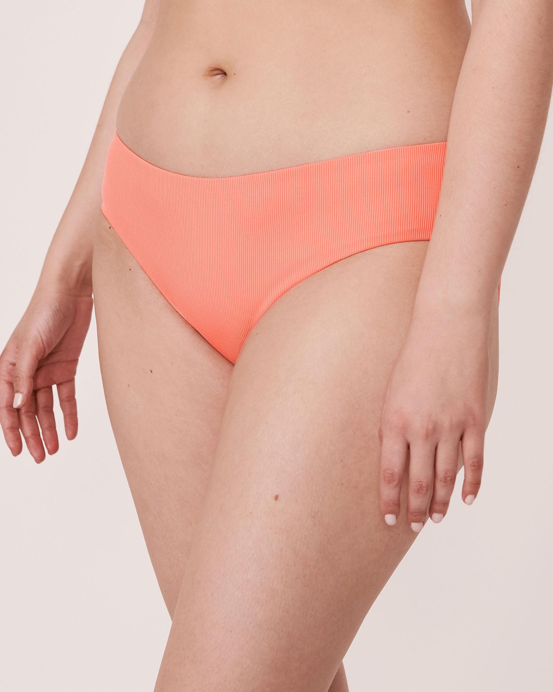 AQUAROSE Bas de bikini hipster en fibres recyclées SOLID RIB Corail 70300051 - Voir1