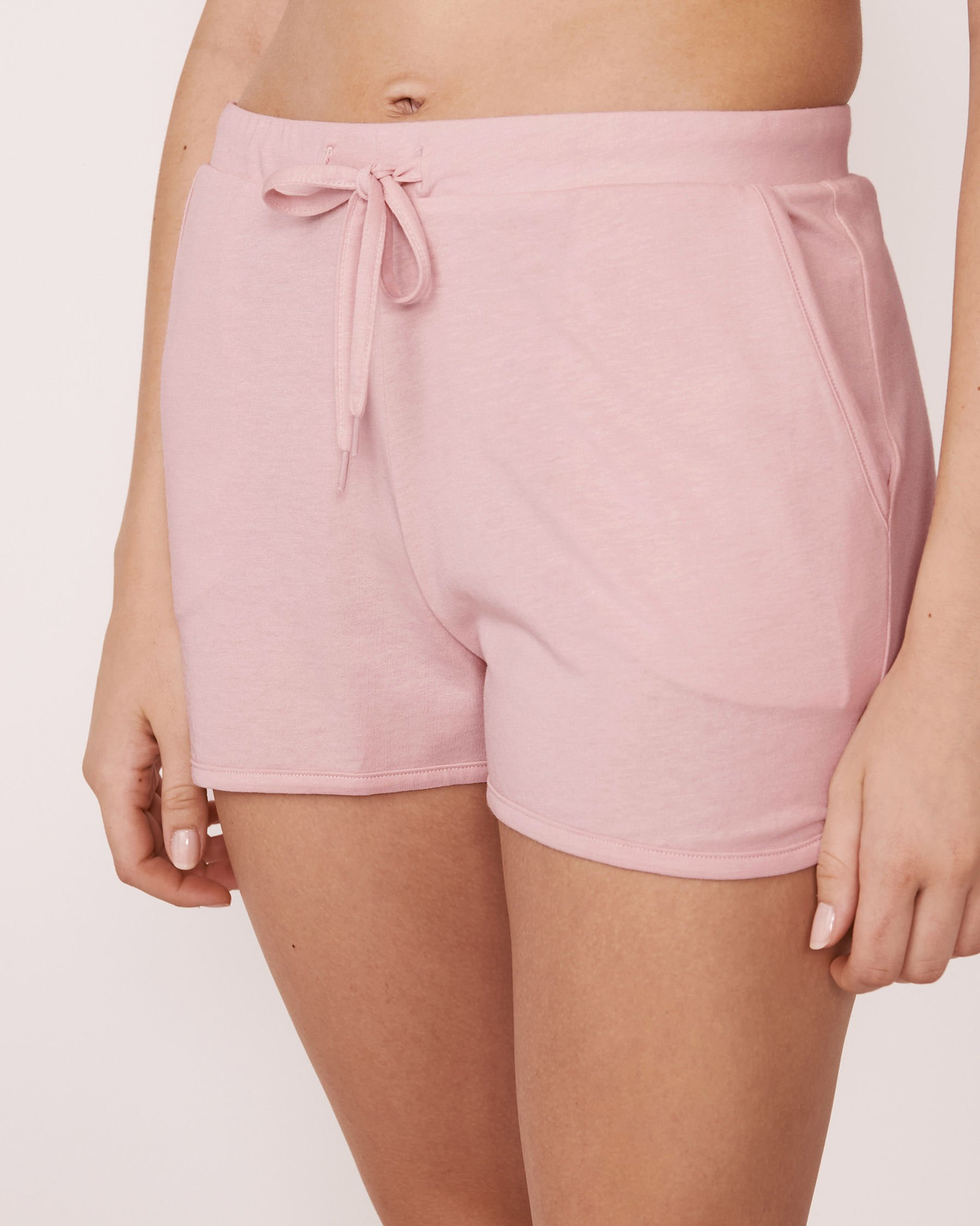 LA VIE EN ROSE Short à poches Lilas pâle 770-317-0-11 - Voir1
