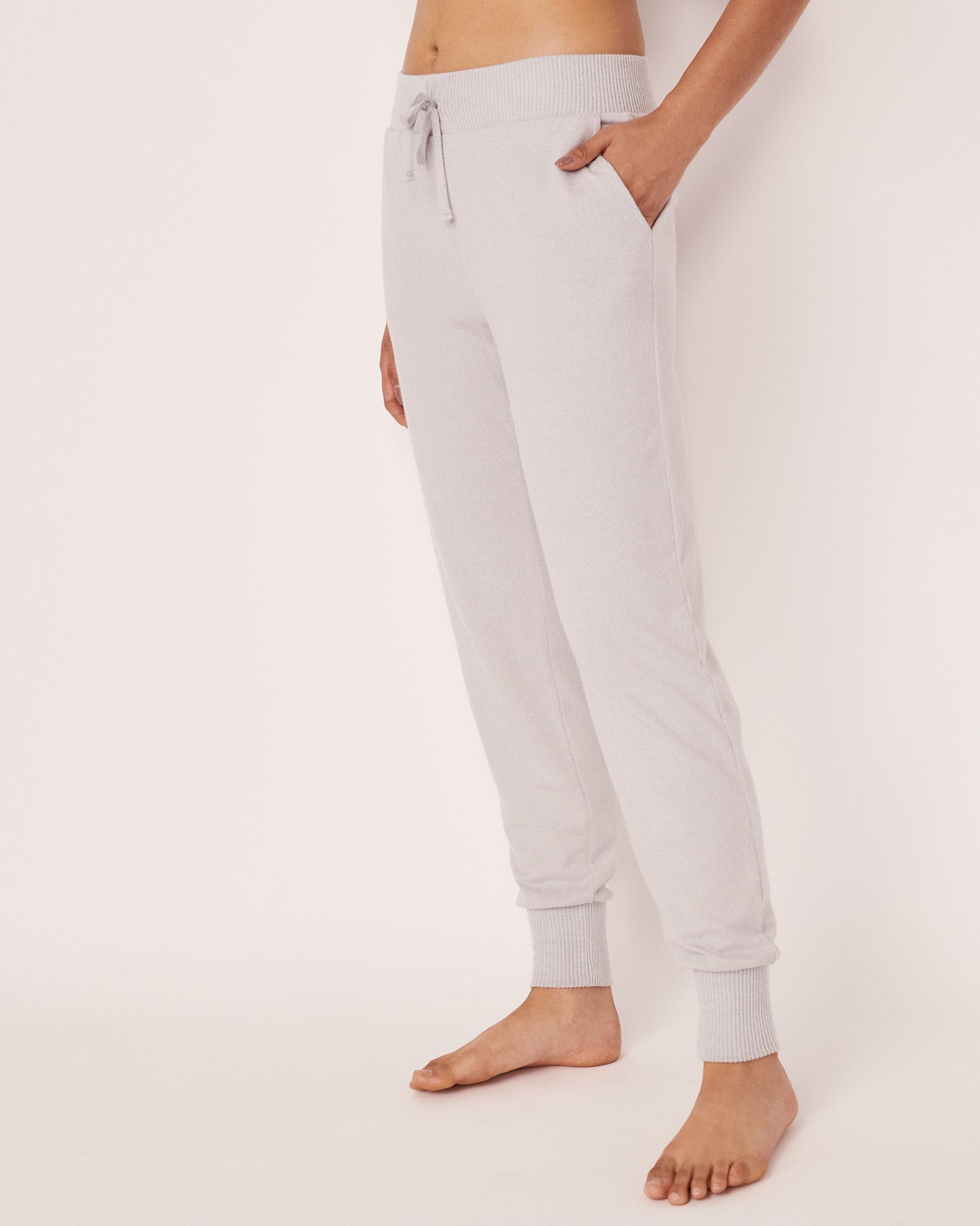 LA VIE EN ROSE Pantalon ajusté en fibres recyclées Gris 40200133 - Voir1