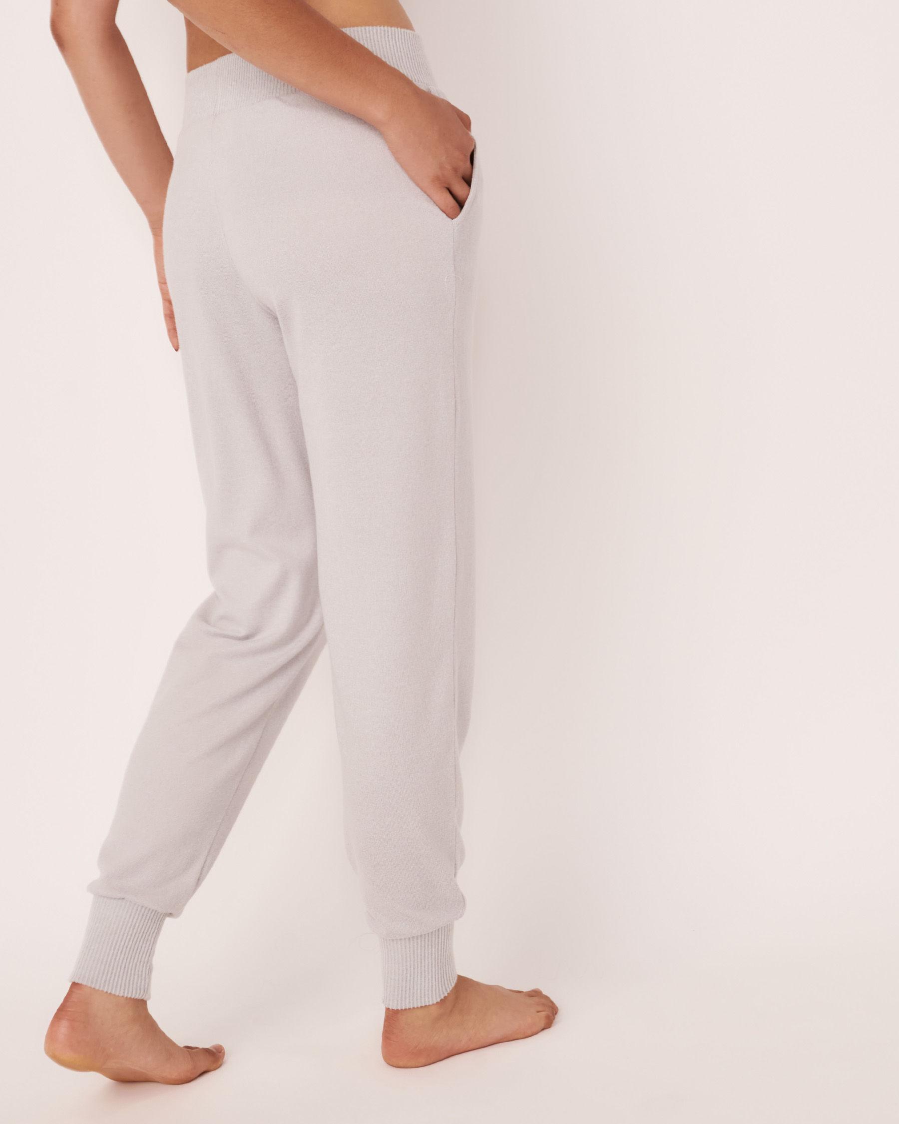 LA VIE EN ROSE Pantalon ajusté en fibres recyclées Gris 40200133 - Voir2