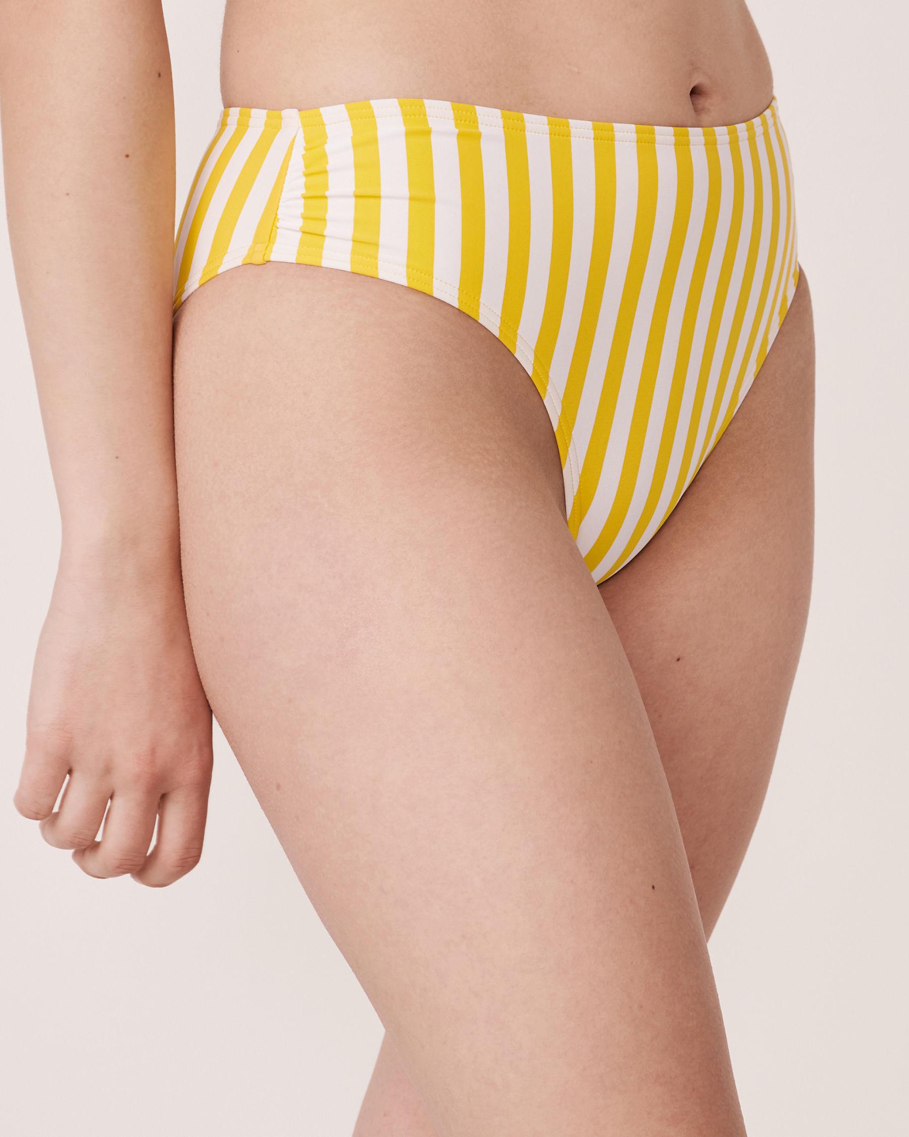 LA VIE EN ROSE AQUA Bas de bikini brésilien taille haute en fibres recyclées YELLOW SUBMARINE Rayures jaunes et blanches 70300095 - Voir1