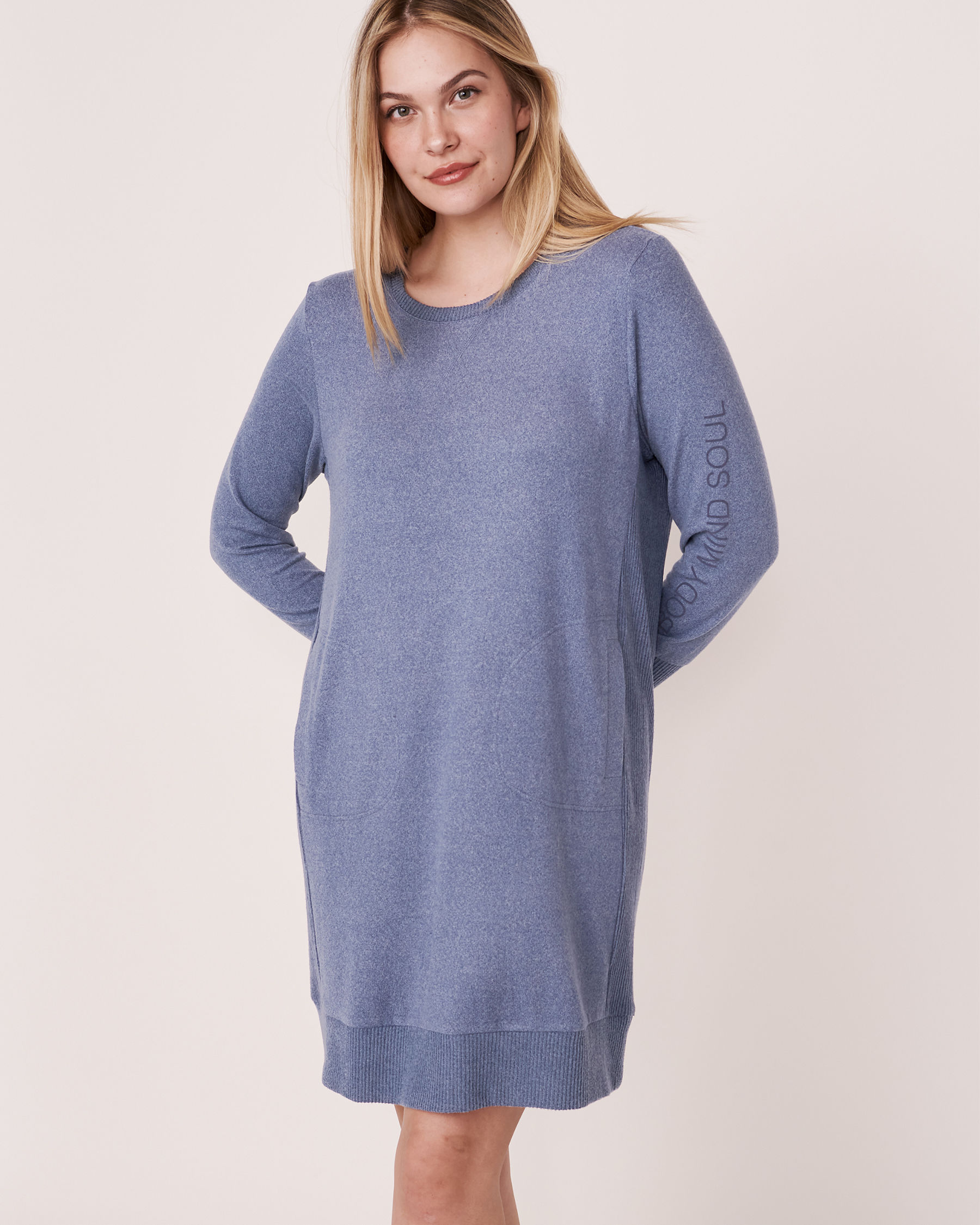 LA VIE EN ROSE Robe manches longues en tricot doux Mélange bleu jeans 50400006 - Voir1
