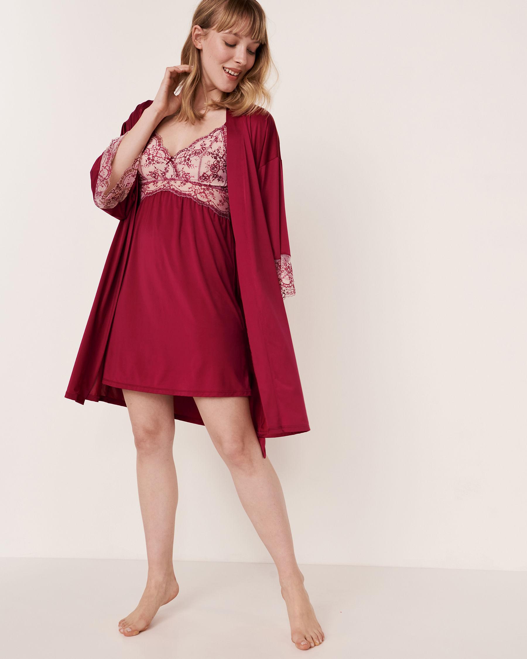 LA VIE EN ROSE Kimono garniture de dentelle Betterave 60600005 - Voir1