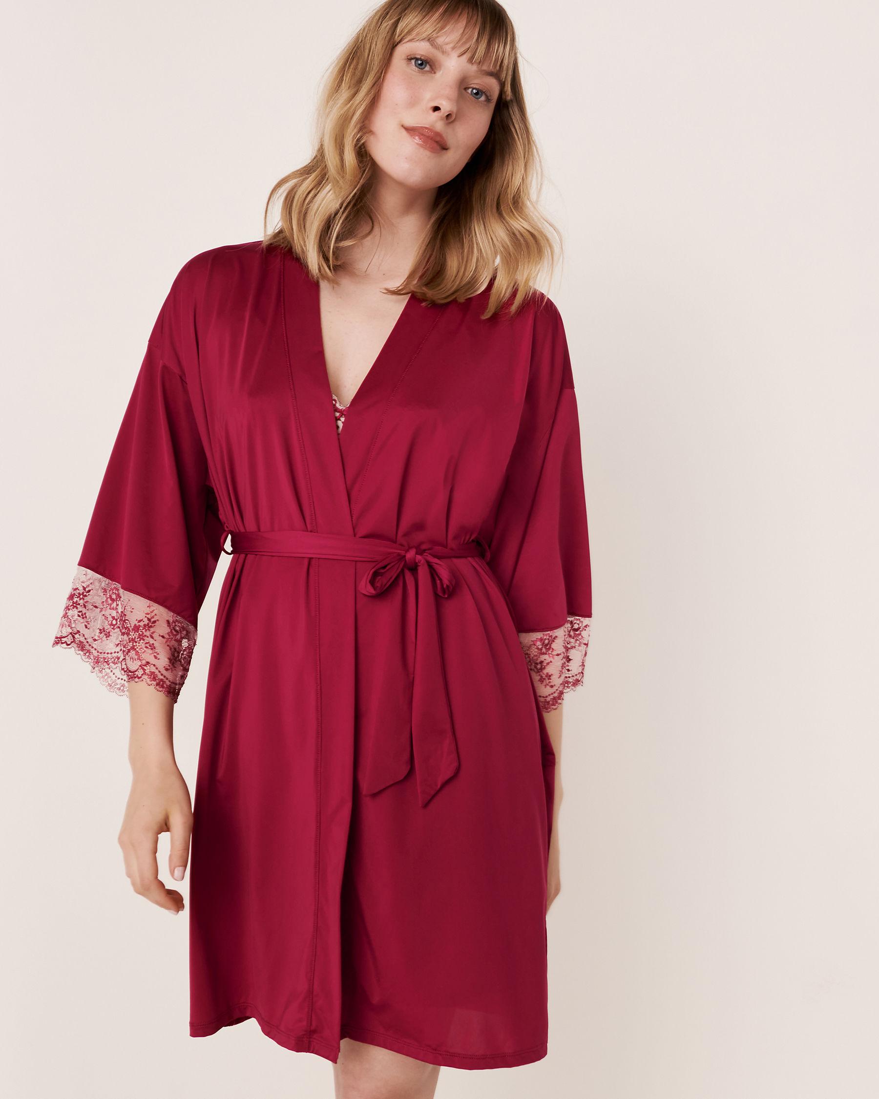 LA VIE EN ROSE Kimono garniture de dentelle Betterave 60600005 - Voir2
