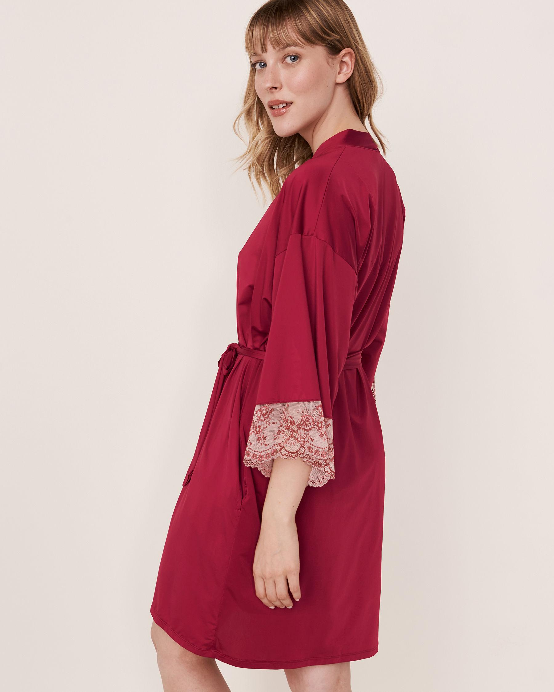LA VIE EN ROSE Kimono garniture de dentelle Betterave 60600005 - Voir3