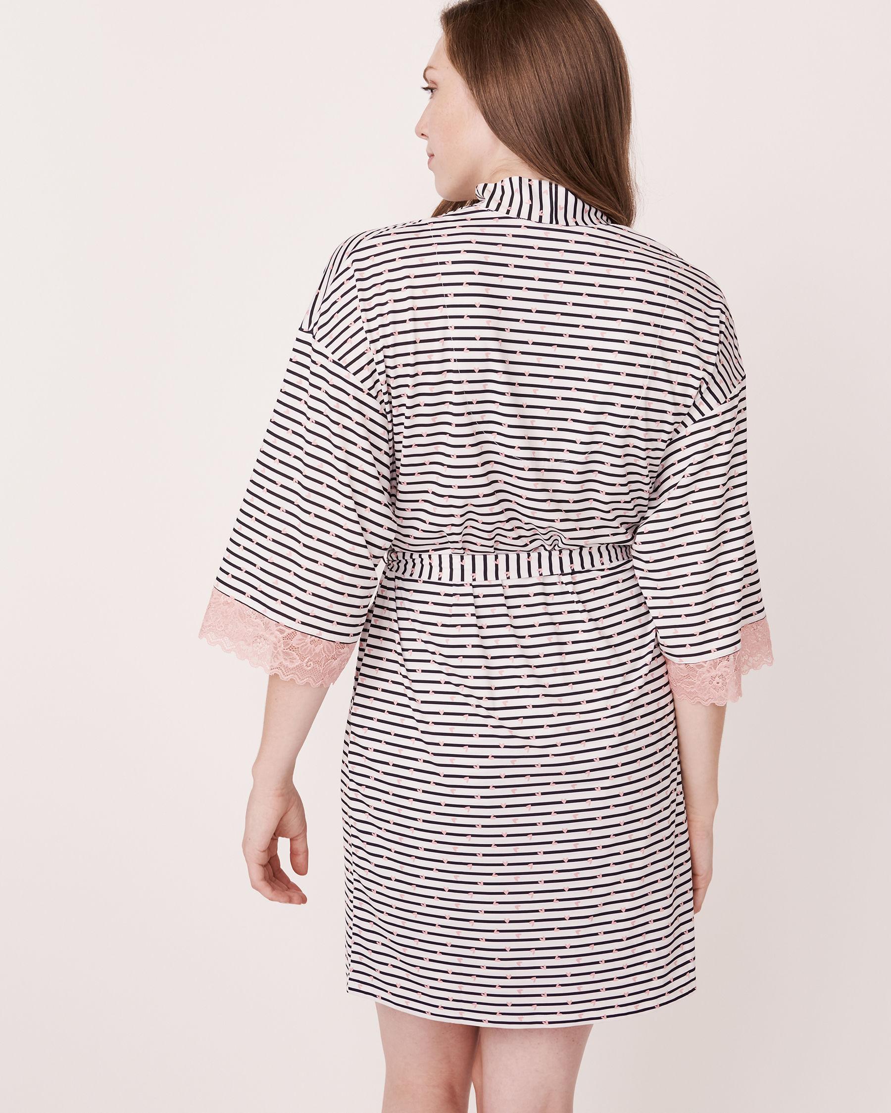 LA VIE EN ROSE Recycled Fibers Lace Trim Kimono Heart and stripe 758-435-0-11 - View3