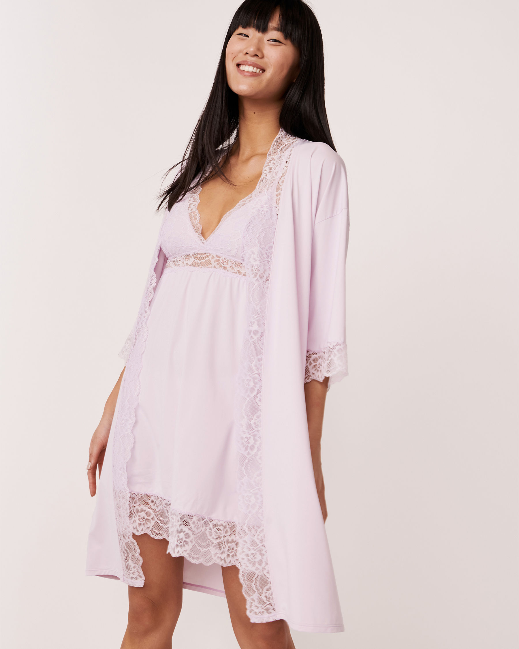 LA VIE EN ROSE Kimono garniture de dentelle Lilas 60600002 - Voir1