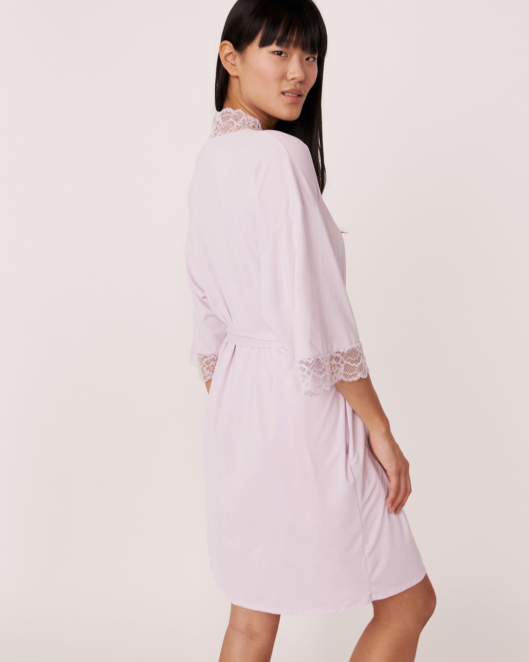 LA VIE EN ROSE Kimono garniture de dentelle Lilas 60600002 - Voir3