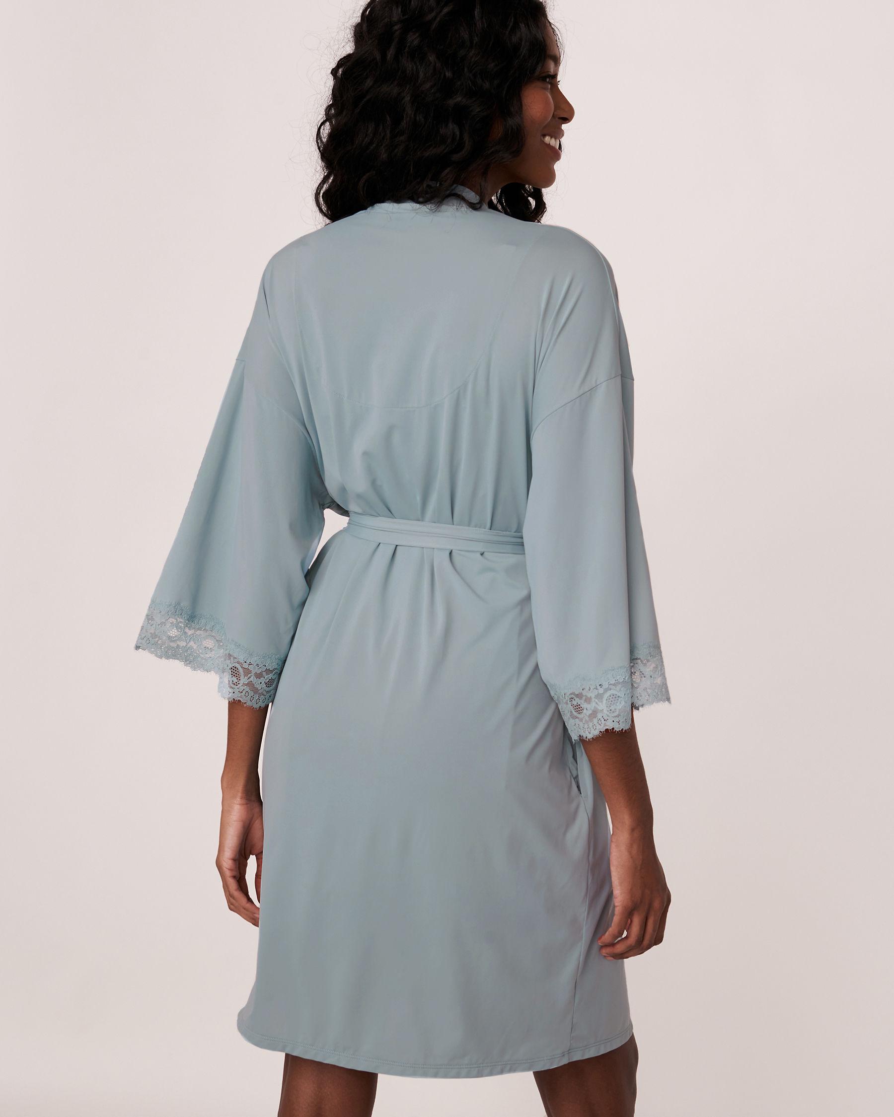 LA VIE EN ROSE Kimono garniture de dentelle Bleu gris 60600001 - Voir5