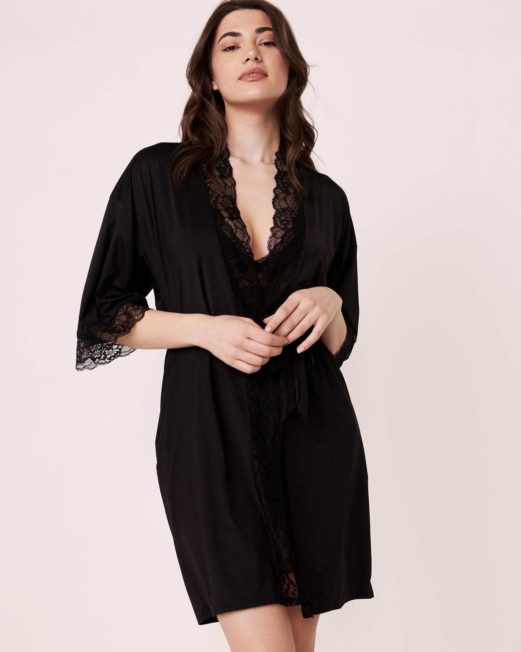 LA VIE EN ROSE Kimono garniture de dentelle Noir 60600002 - Voir1