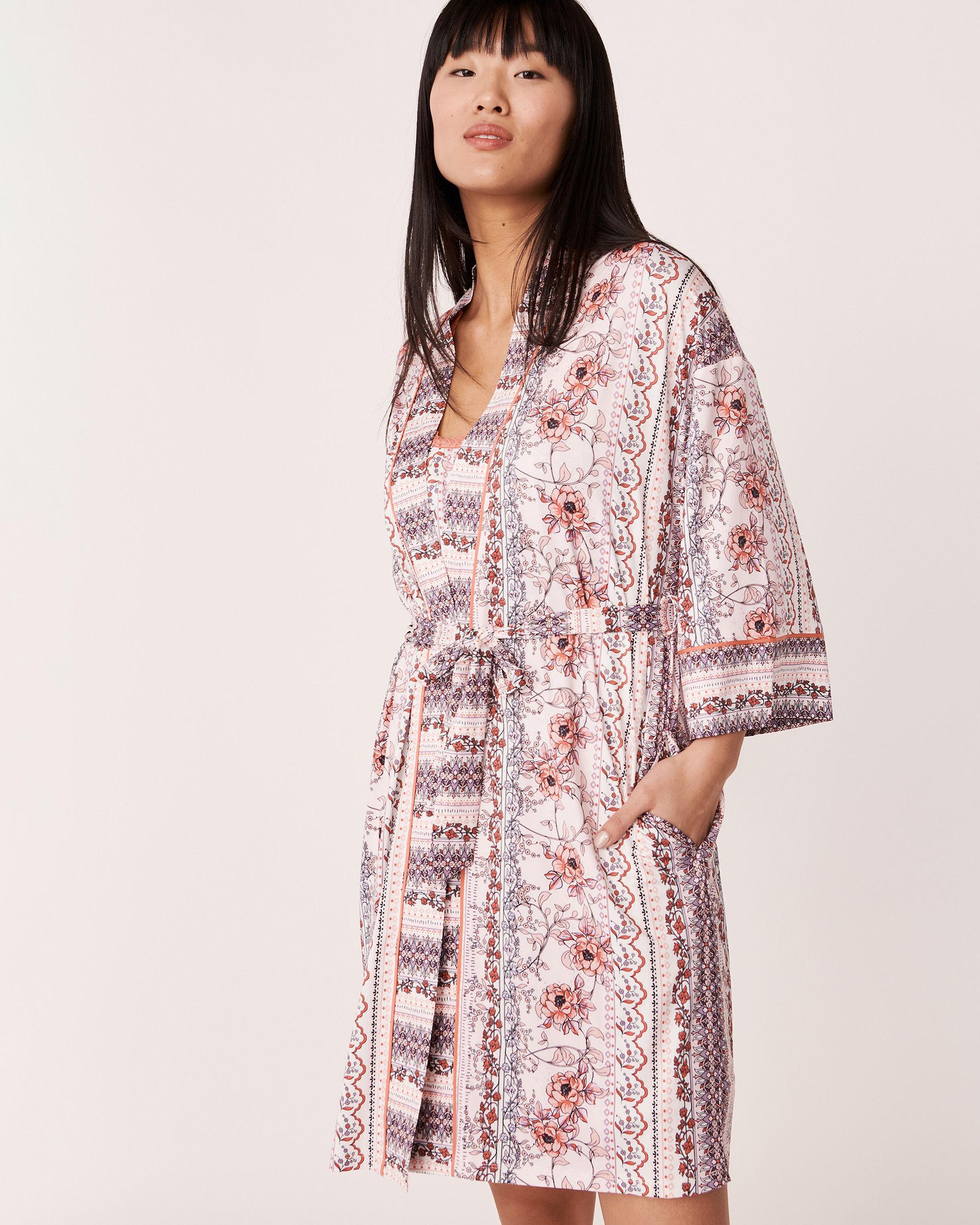 LA VIE EN ROSE Kimono en fibres recyclées Imprimé fleuri vertical 40600011 - Voir1