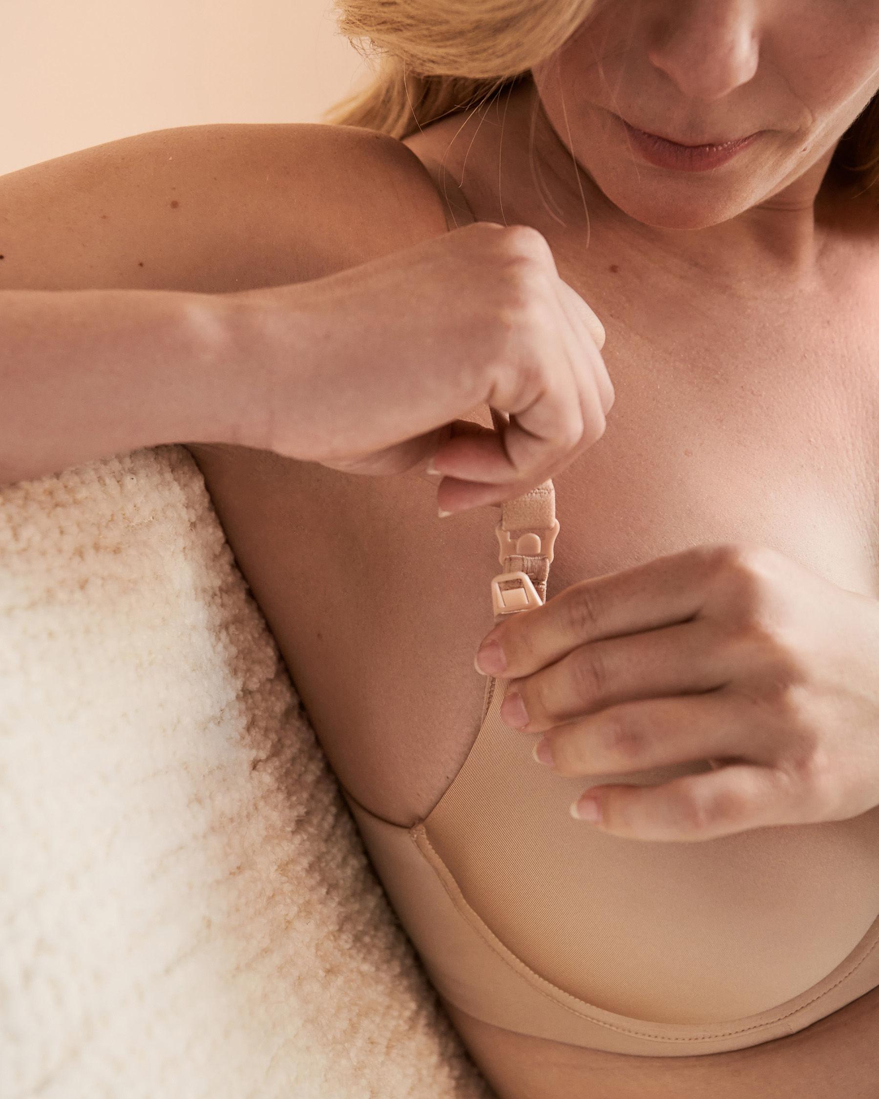 LA VIE EN ROSE Nursing Lightly Lined Bra Neutral 898-114-0-00 - View3