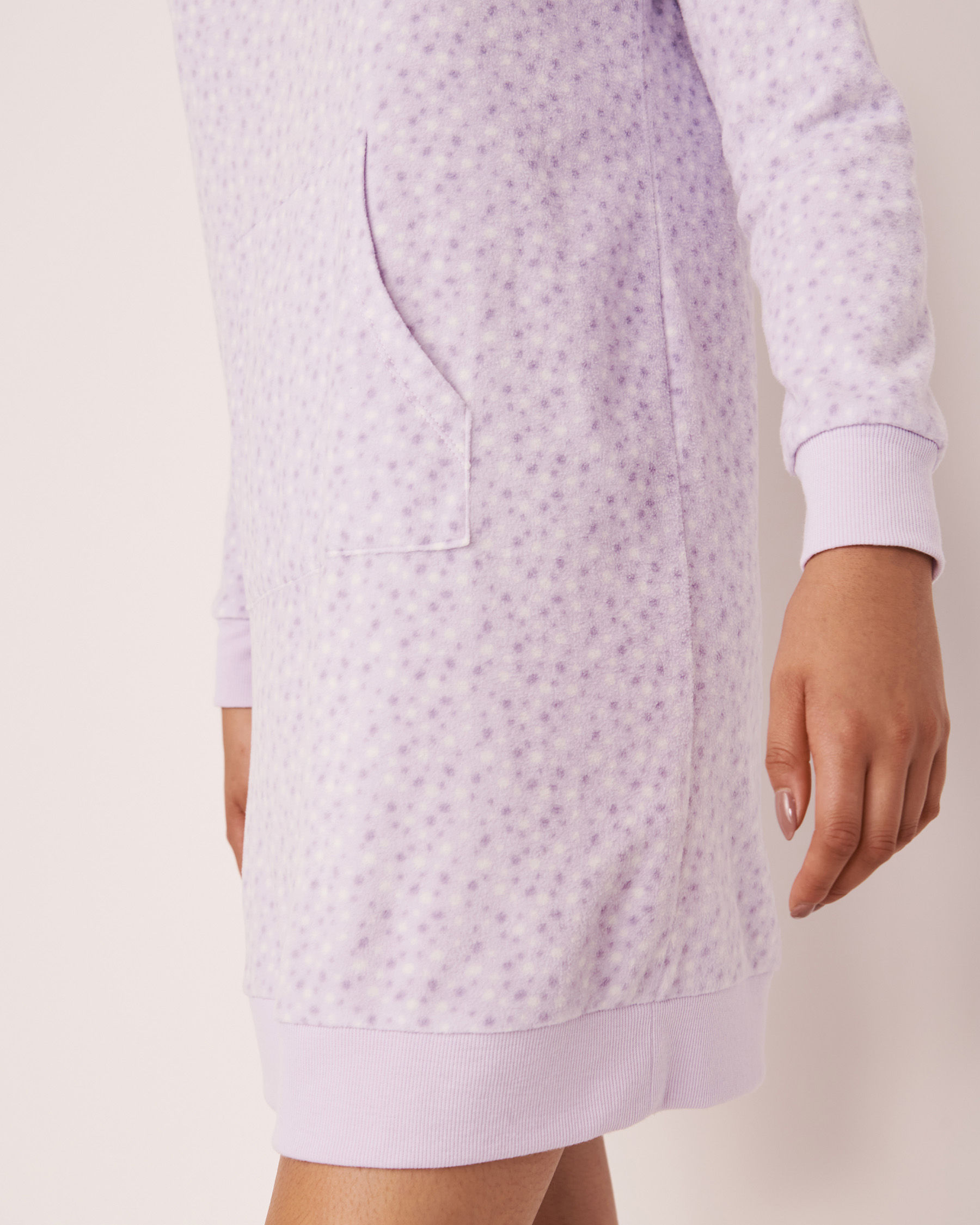 LA VIE EN ROSE Micropolar Long Sleeve Sleepshirt Multi dots 40500098 - View3