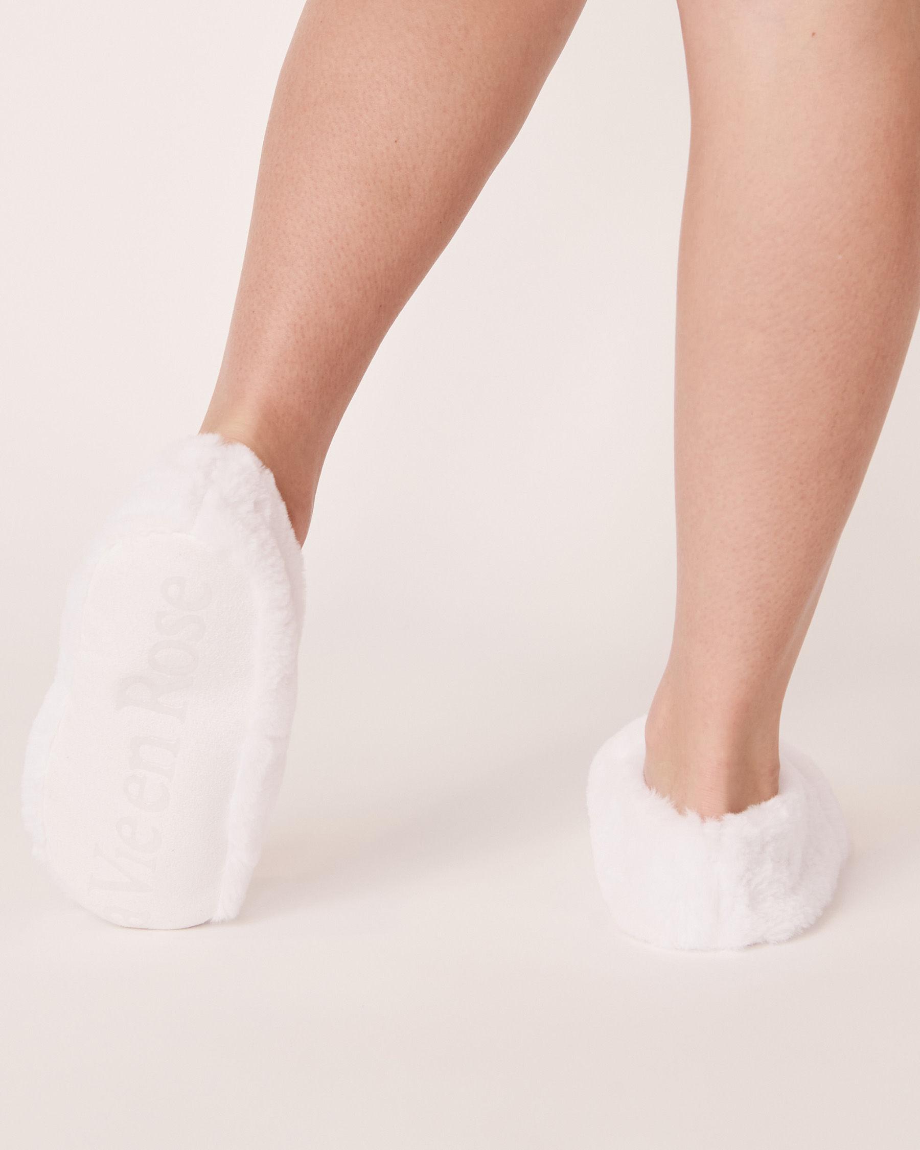 LA VIE EN ROSE Faux Fur Heatable Slippers White 40700046 - View2