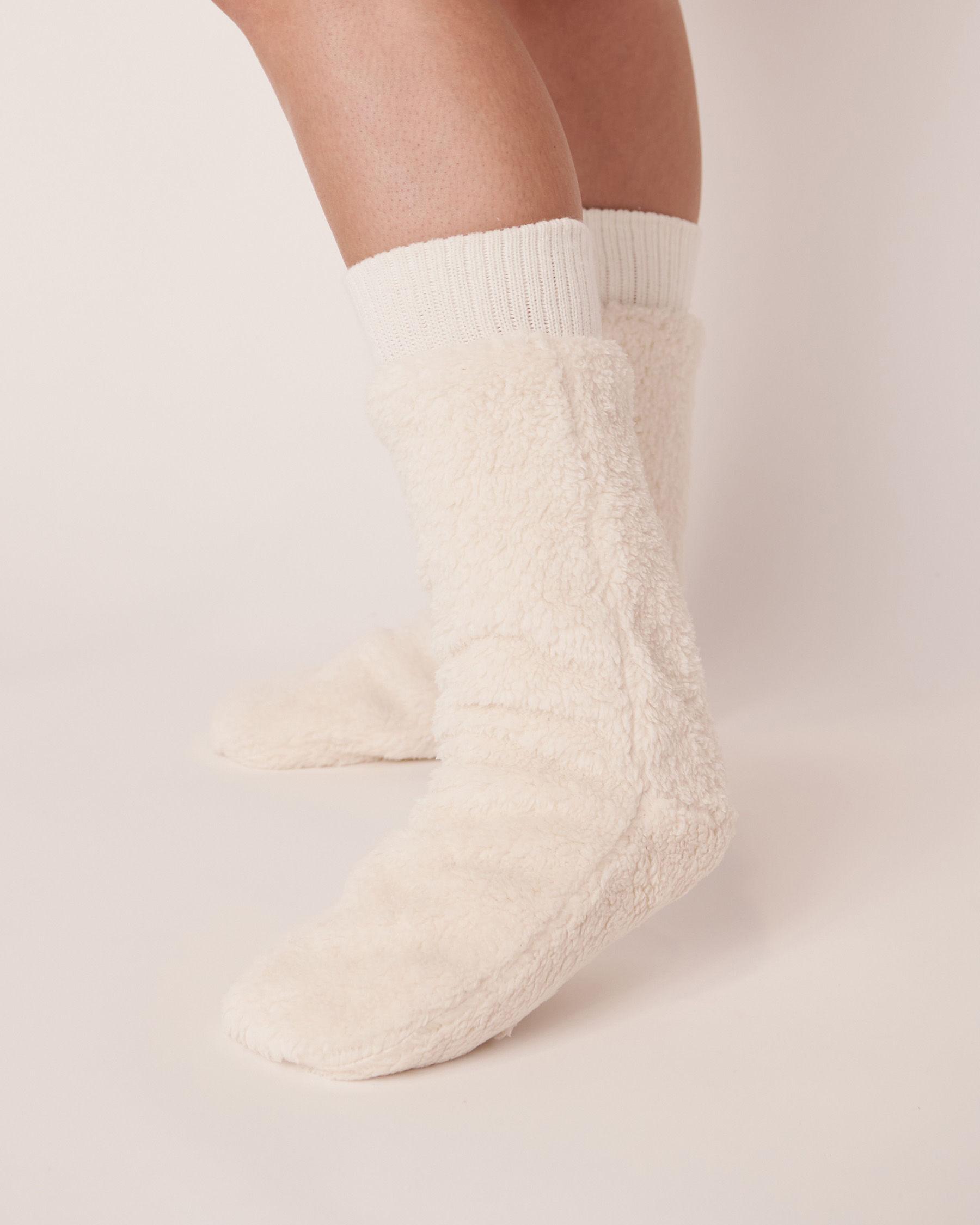 LA VIE EN ROSE Plush Mid Length Socks White 40700050 - View1