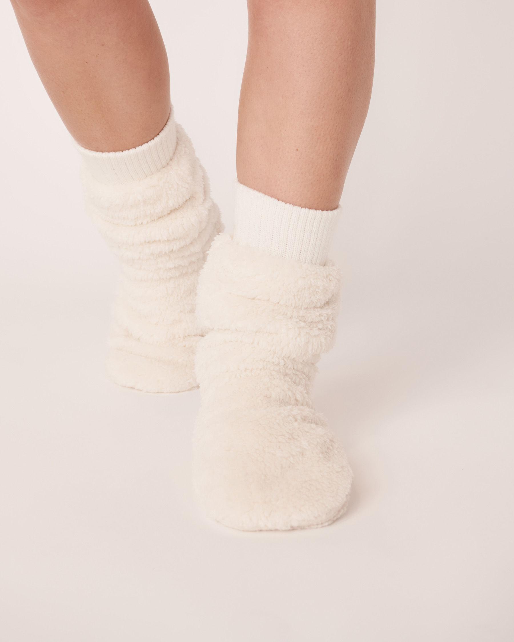LA VIE EN ROSE Plush Mid Length Socks White 40700050 - View3
