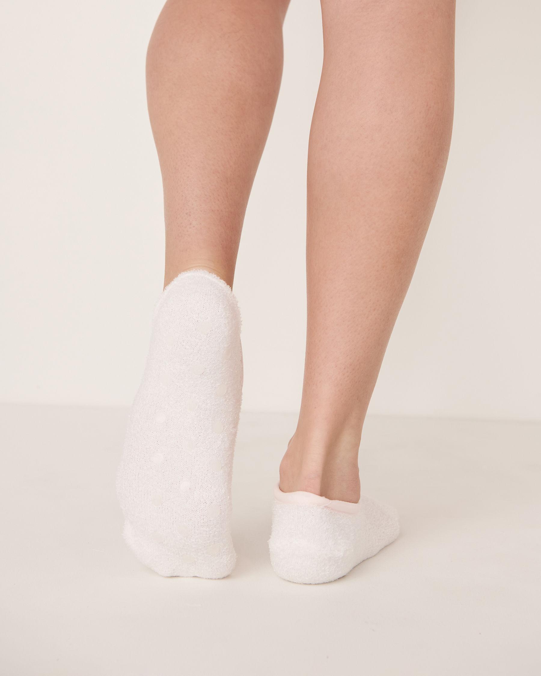 LA VIE EN ROSE Bas pantoufles en chenille Blanc 40700015 - Voir2