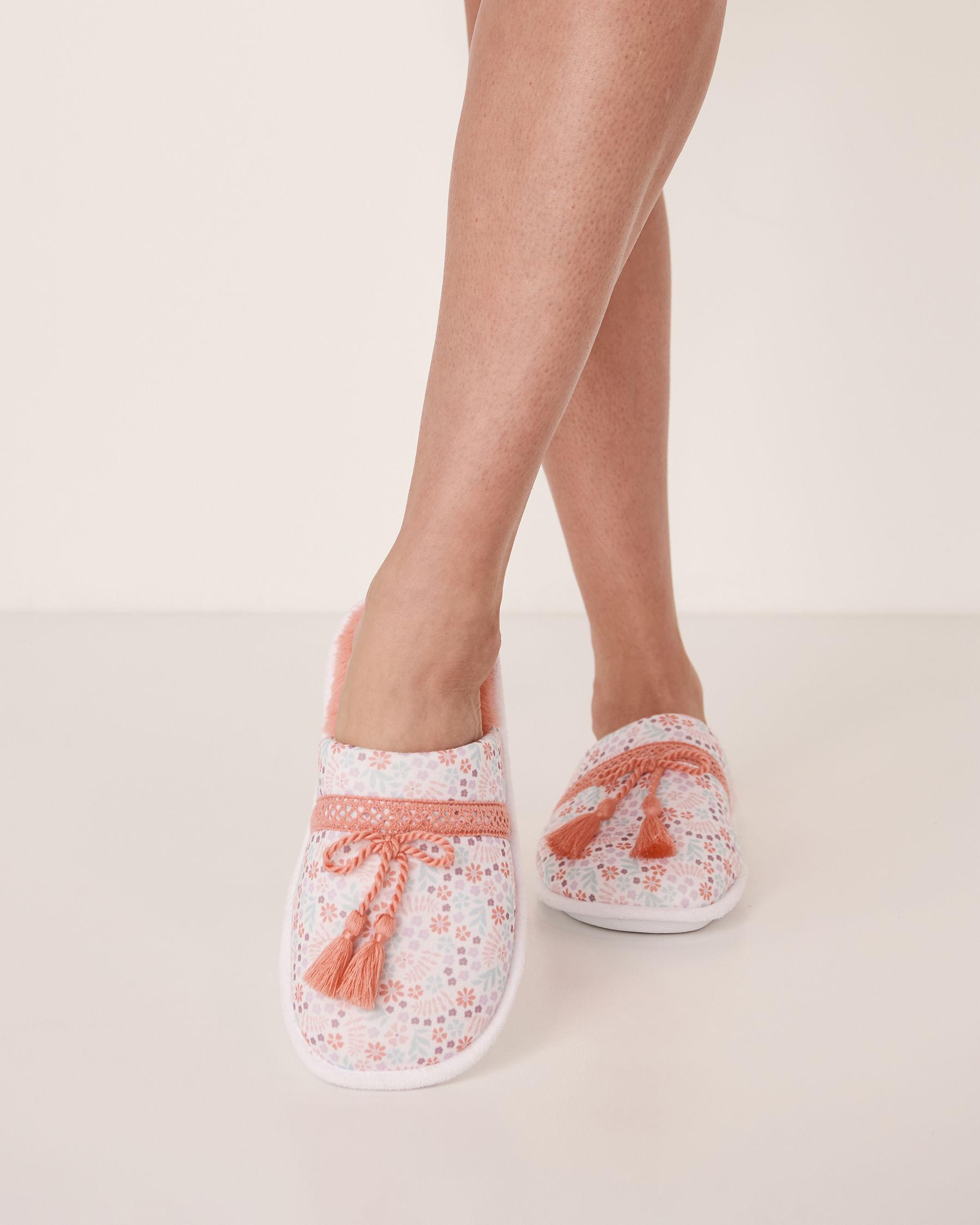 LA VIE EN ROSE Clog Slippers with Tassels Ditsy floral 40700013 - View1