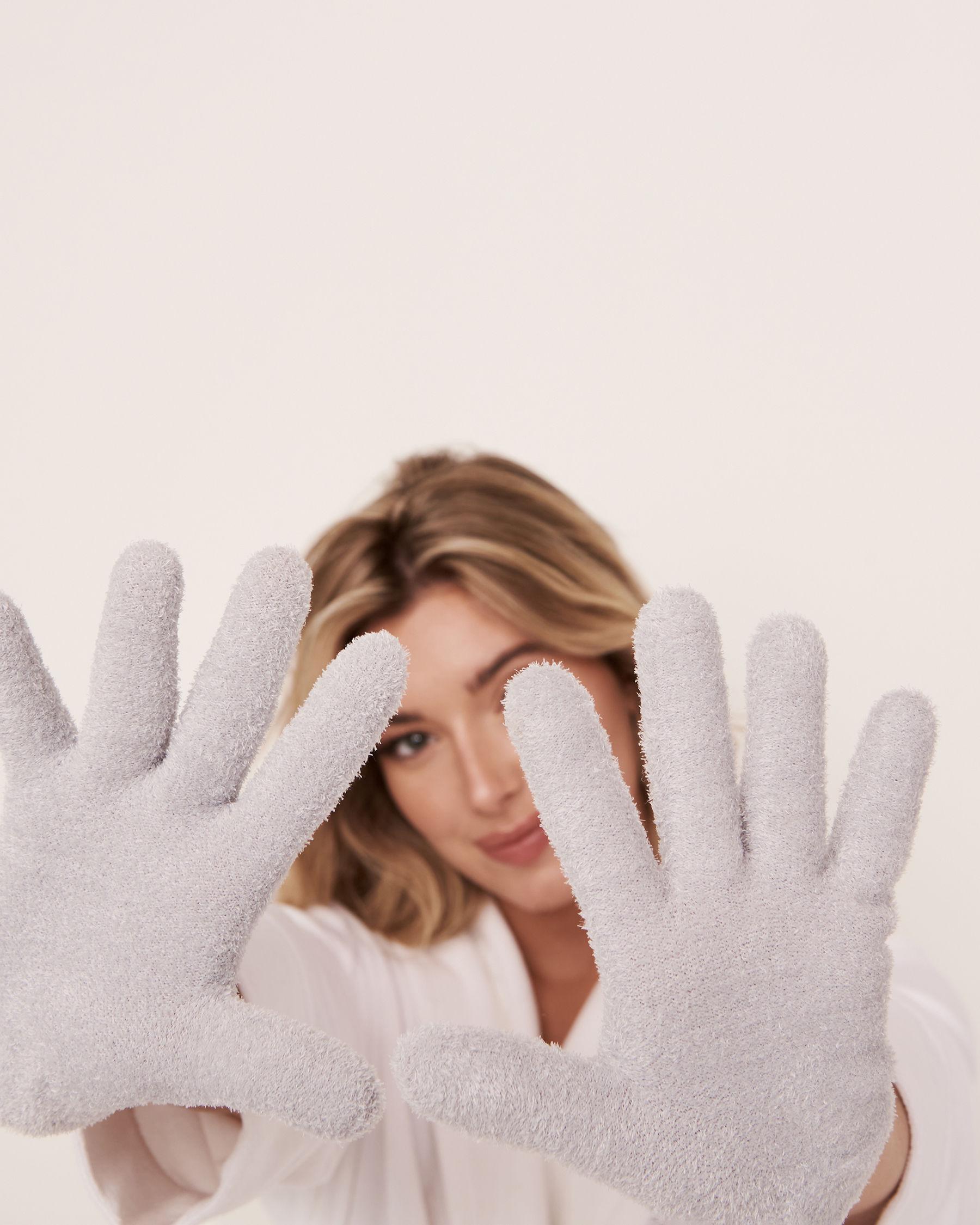 LA VIE EN ROSE Lavender Moisturizing Gel Gloves Grey 431-527-1-00 - View2