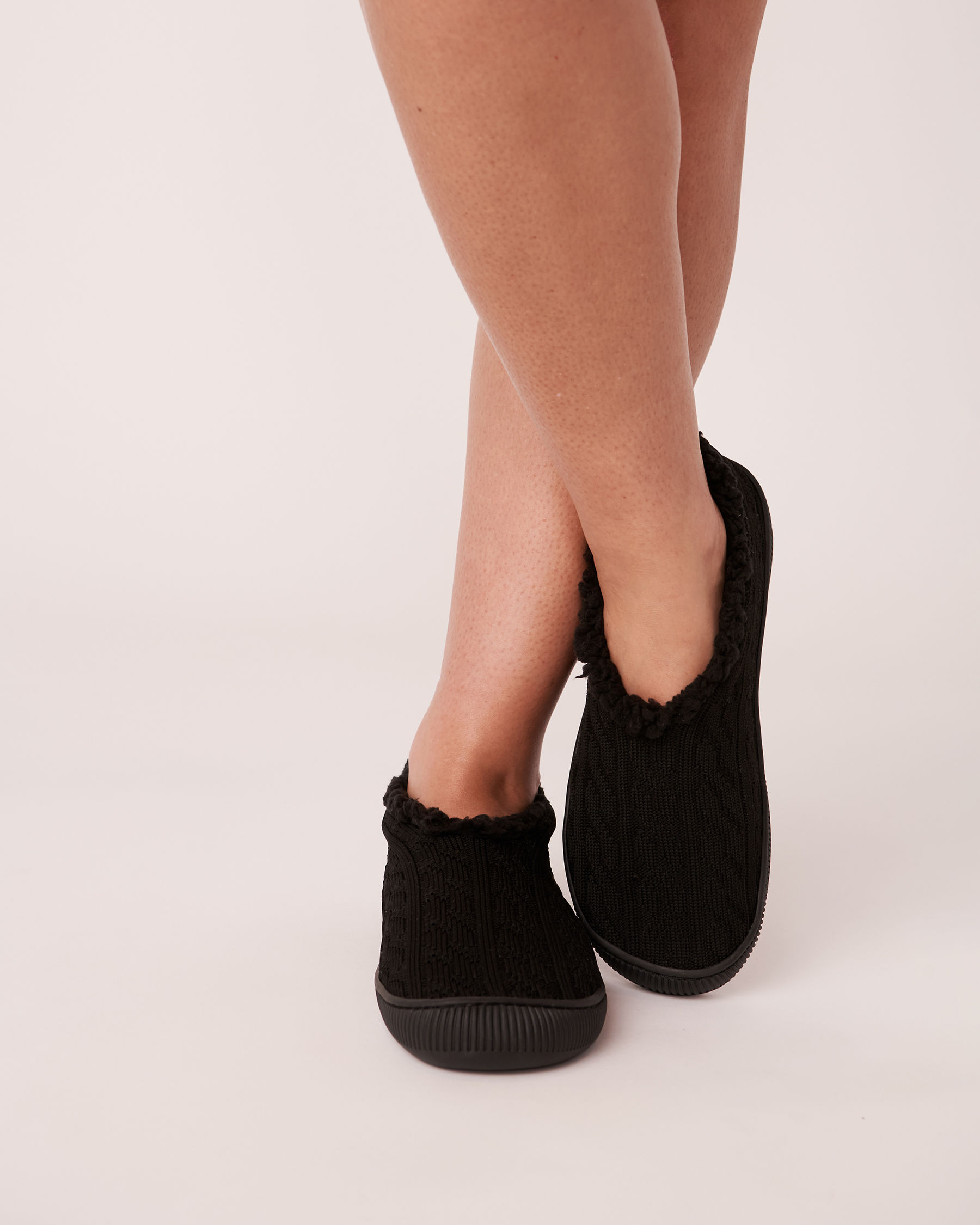 LA VIE EN ROSE Knit Effect Bootie Slippers Black 40700074 - View1