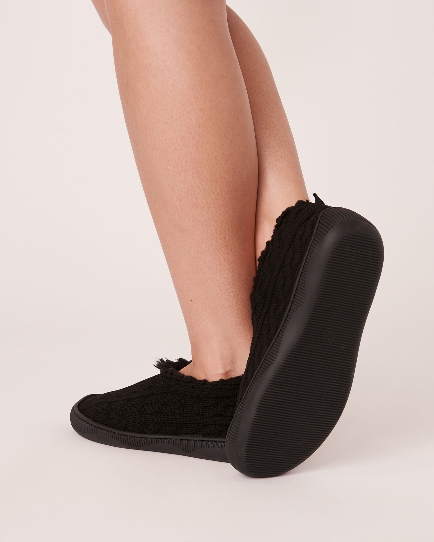 LA VIE EN ROSE Knit Effect Bootie Slippers Black 40700074 - View2