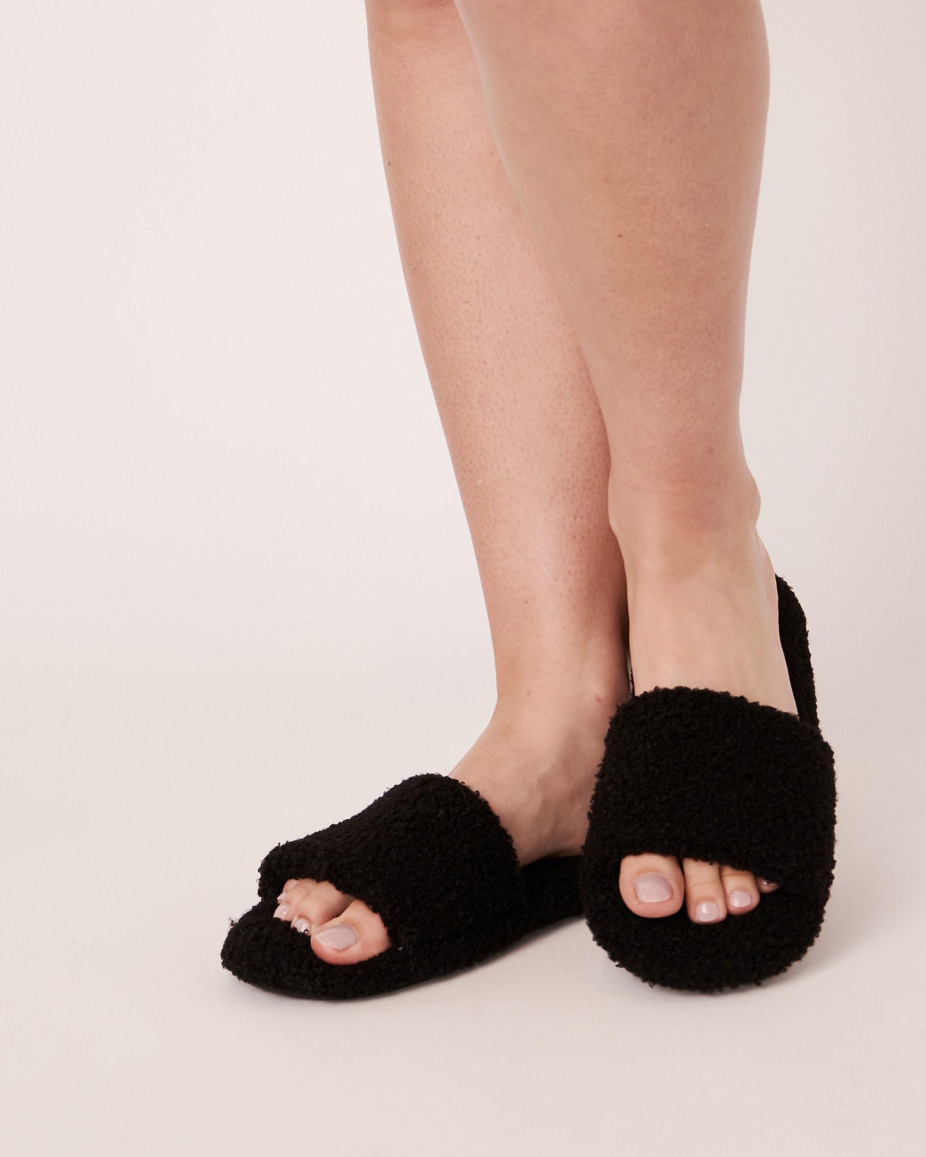 LA VIE EN ROSE Plush Open Slide Slippers Black 40700061 - View1
