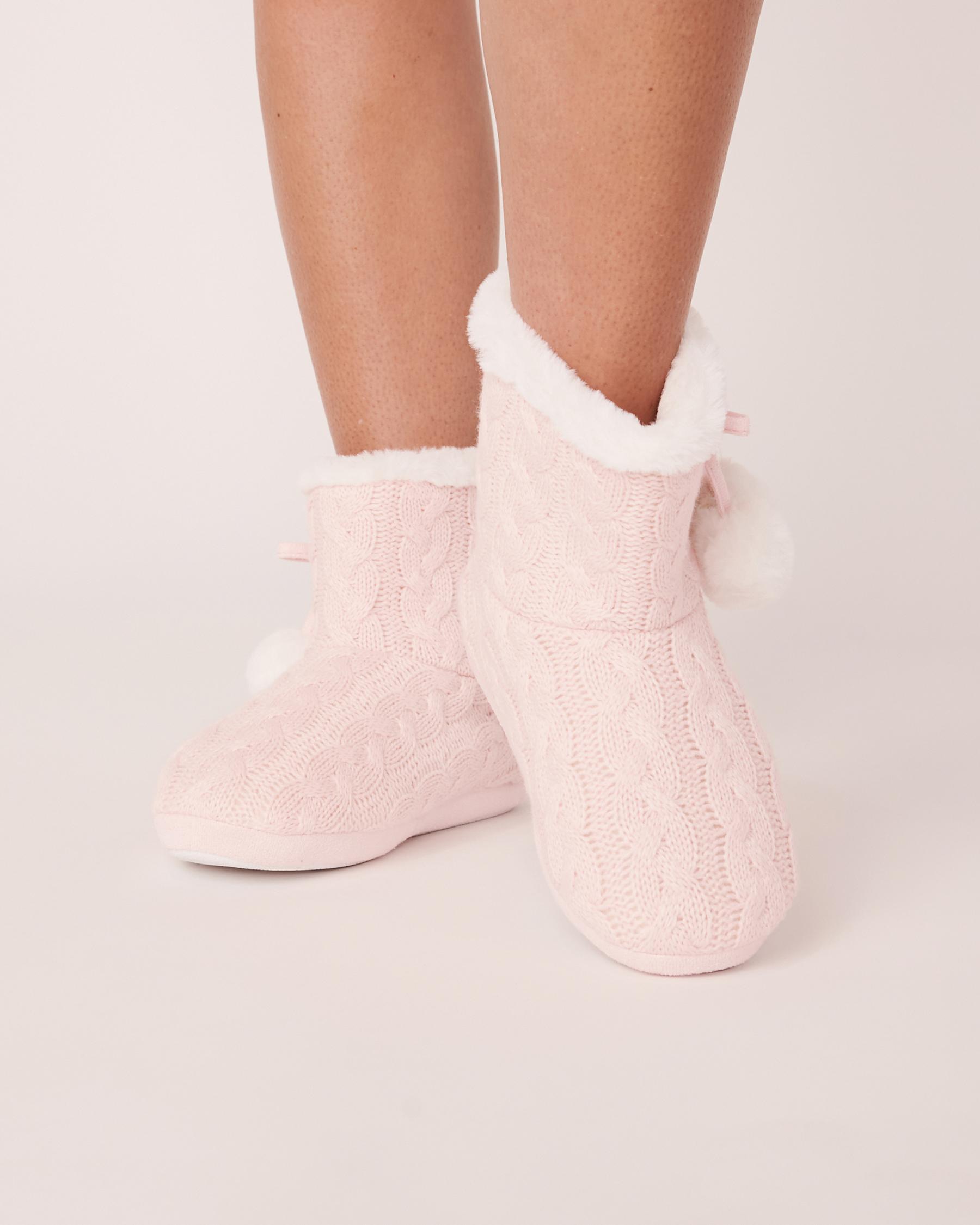 LA VIE EN ROSE Pompoms Bootie Slippers Light pink 40700075 - View1