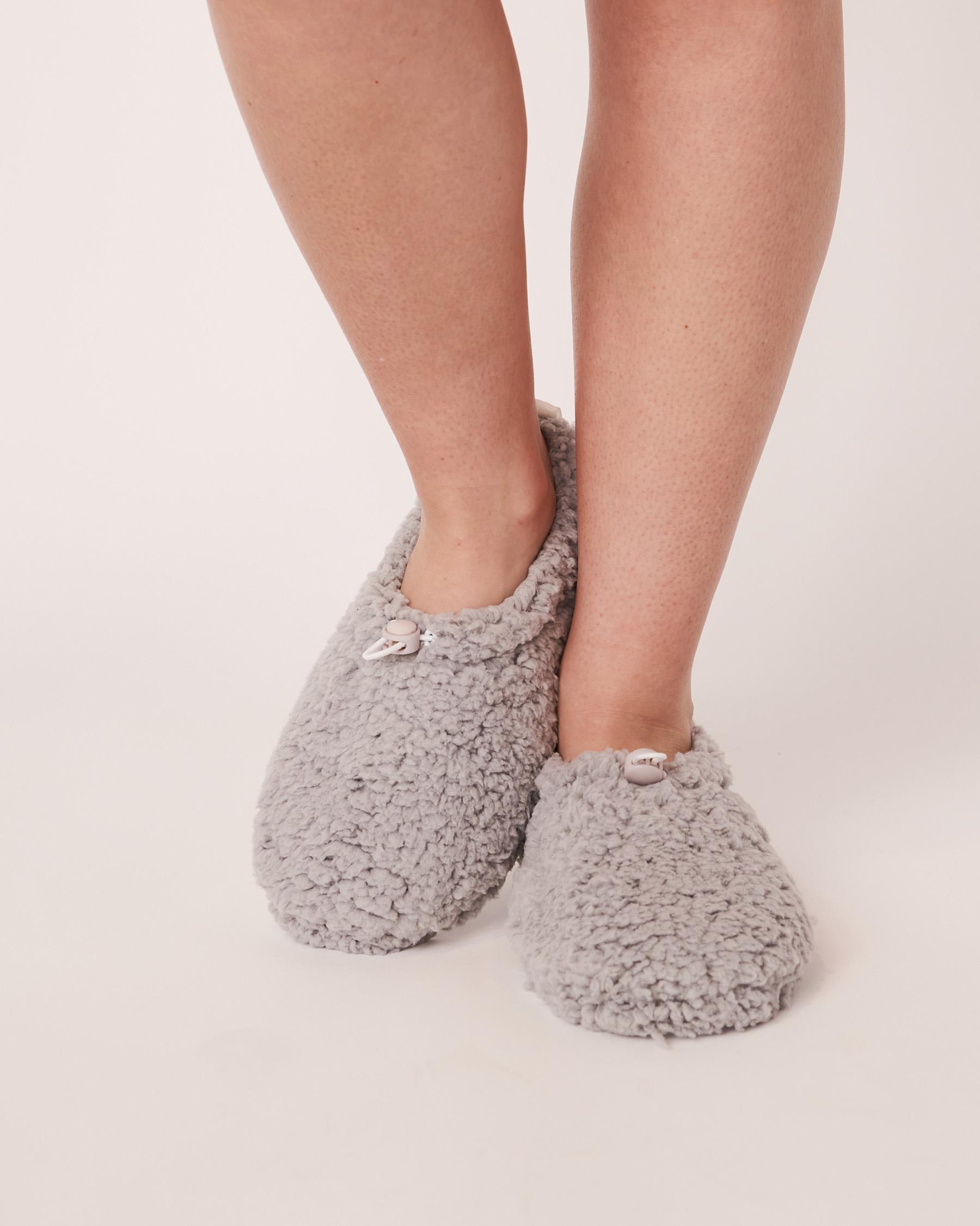 LA VIE EN ROSE Sherpa Bootie Slippers Grey 40700070 - View1