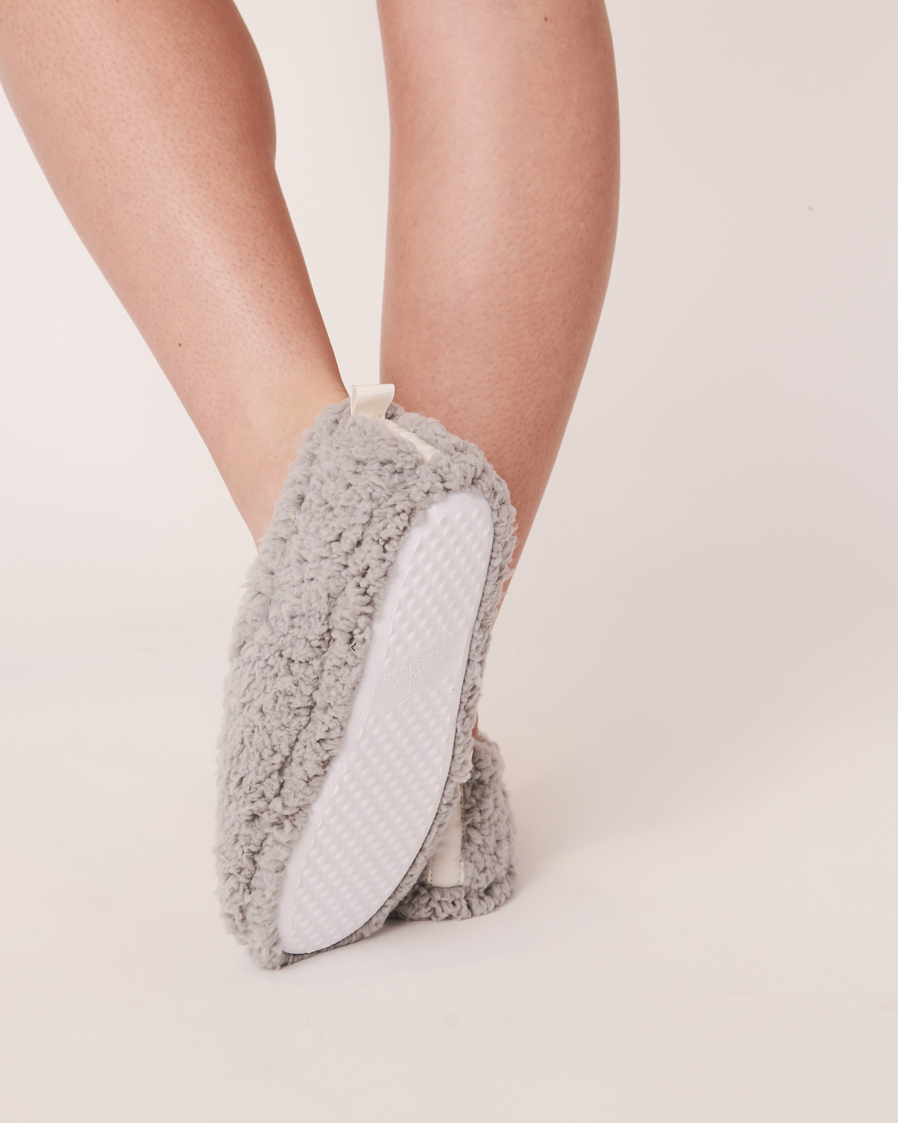 LA VIE EN ROSE Sherpa Bootie Slippers Grey 40700070 - View2