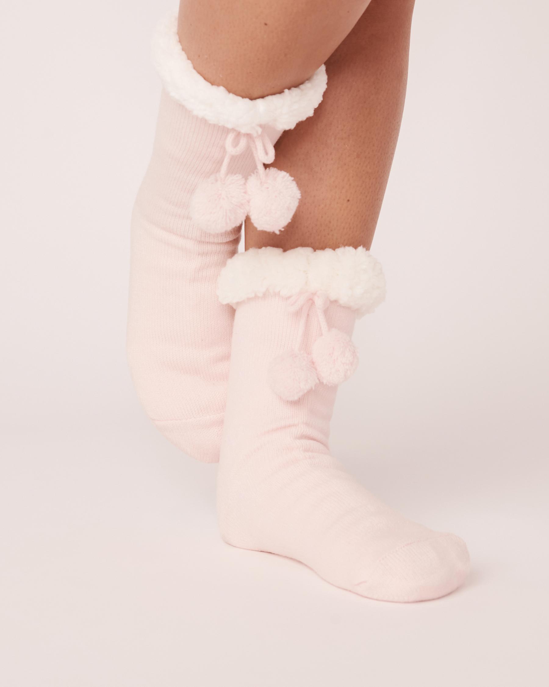 LA VIE EN ROSE Sherpa Pompom Socks Light pink 40700090 - View1