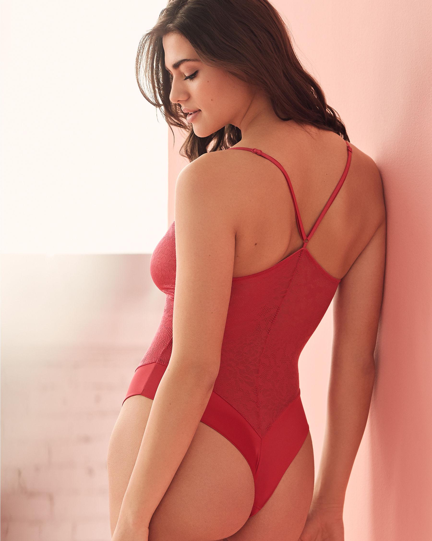 LA VIE EN ROSE Combiné en dentelle et satin Rouge 762-441-0-11 - Voir1
