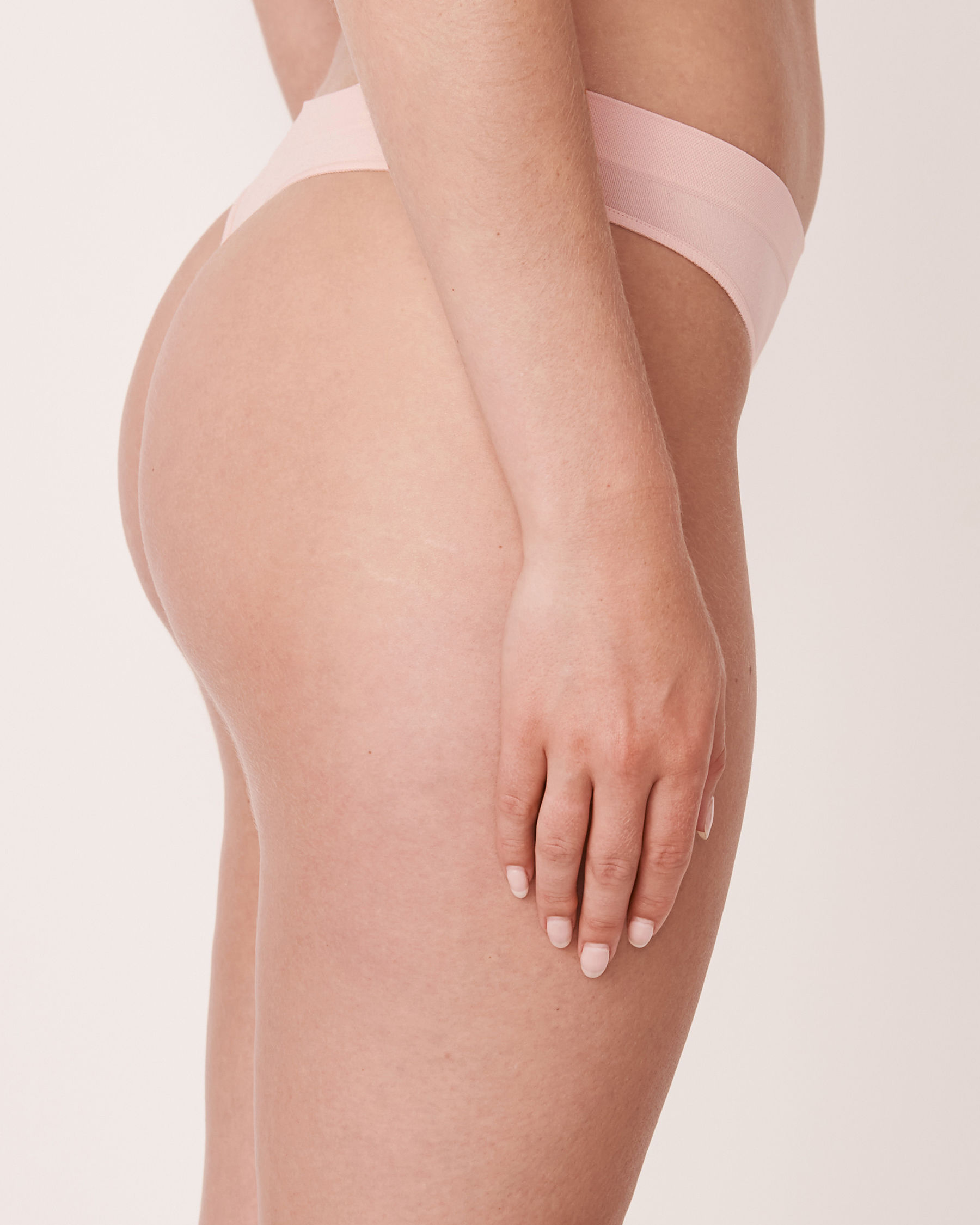 LA VIE EN ROSE Seamless Thong Panty Light pink 20200036 - View2