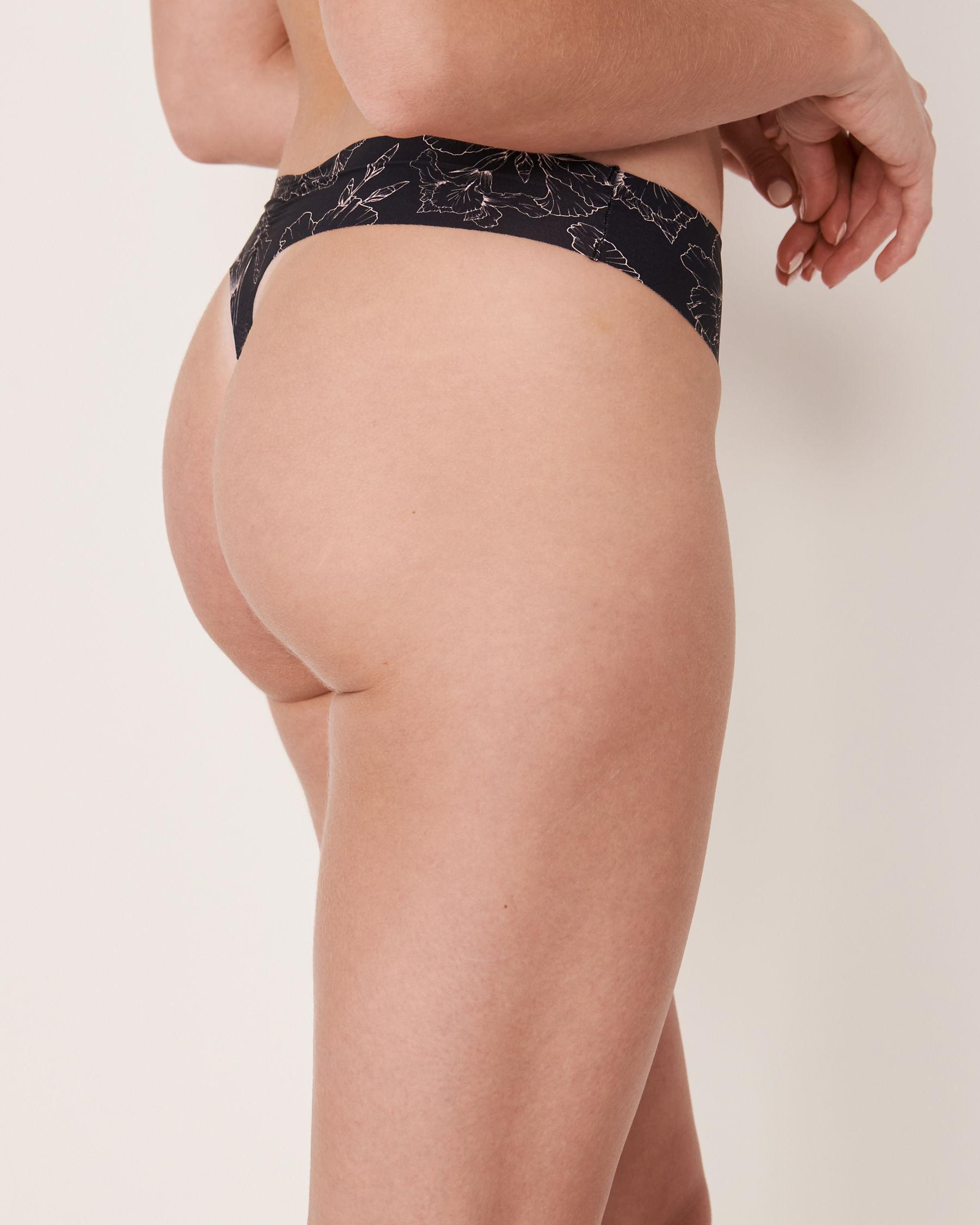 LA VIE EN ROSE Seamless Thong Panty Black flower 20200047 - View2