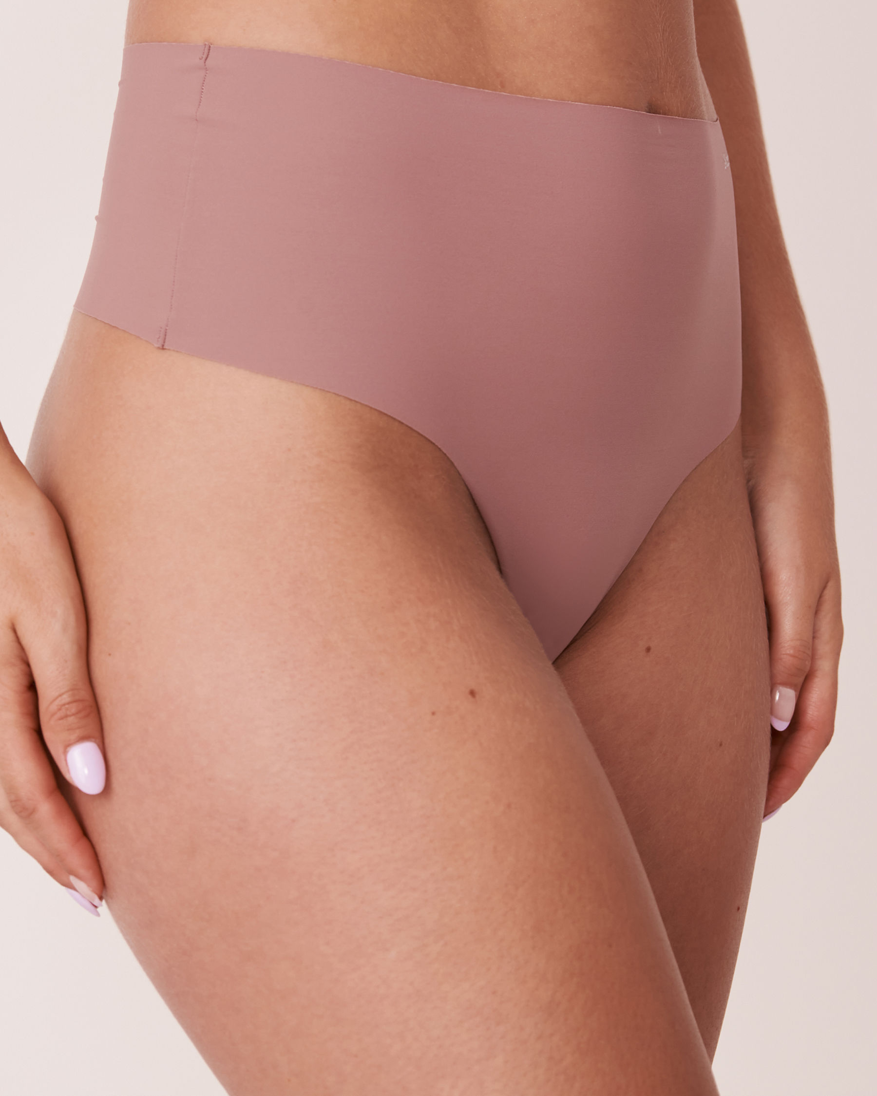 LA VIE EN ROSE Seamless High Waist Thong Panty Old pink 20200083 - View1
