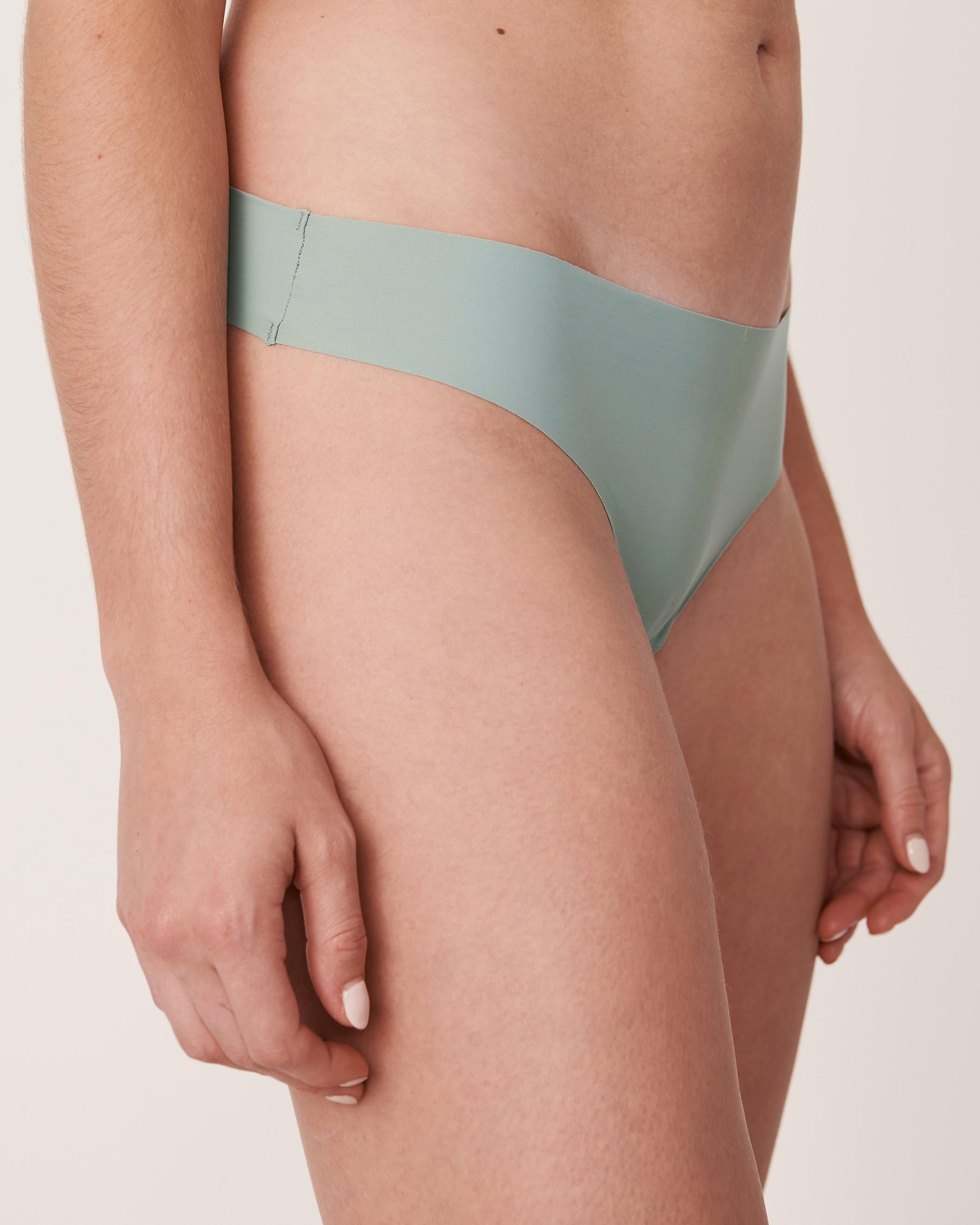 LA VIE EN ROSE Seamless Thong Panty Green 20200047 - View1