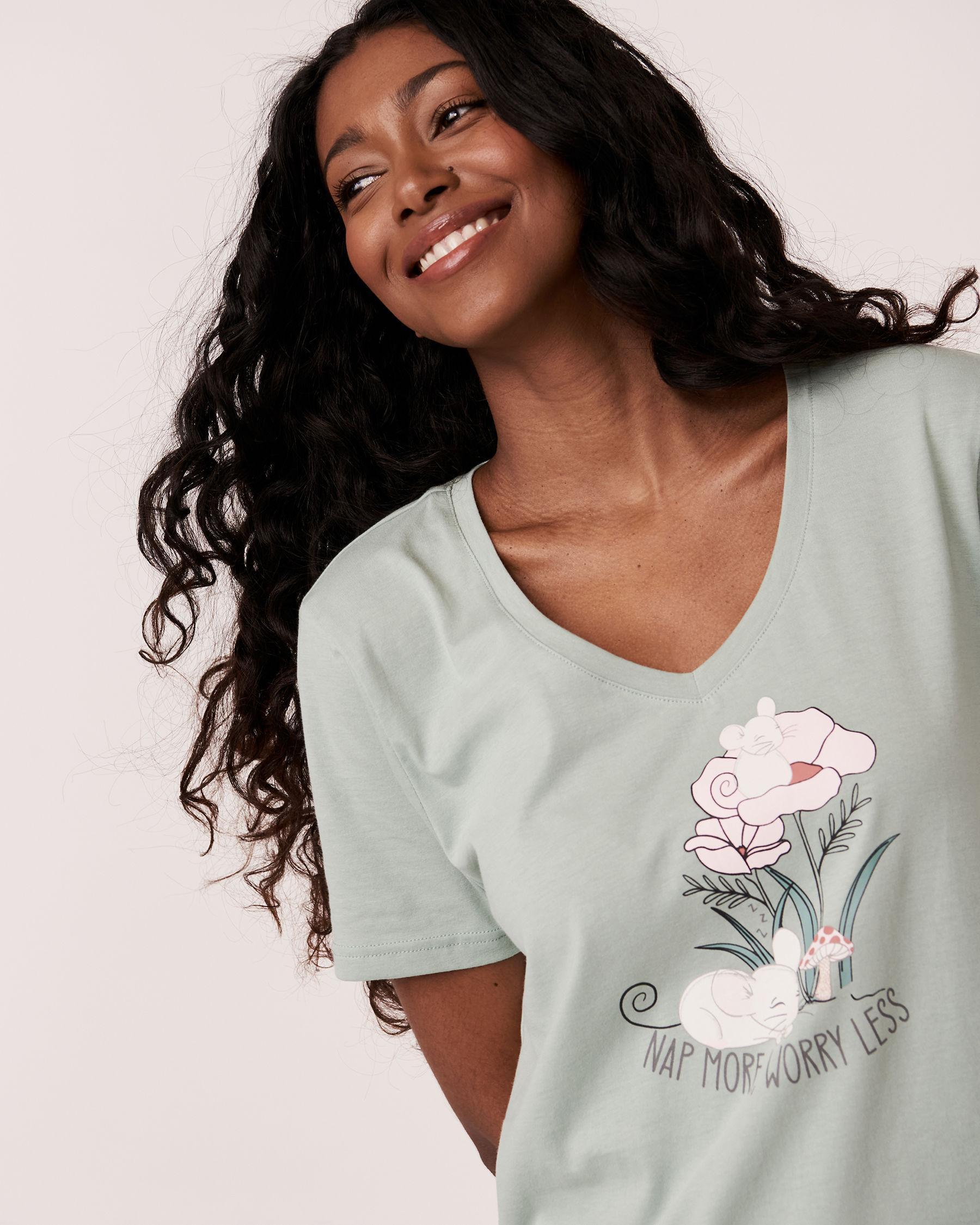LA VIE EN ROSE V-neckline T-shirt Green 40100123 - View2