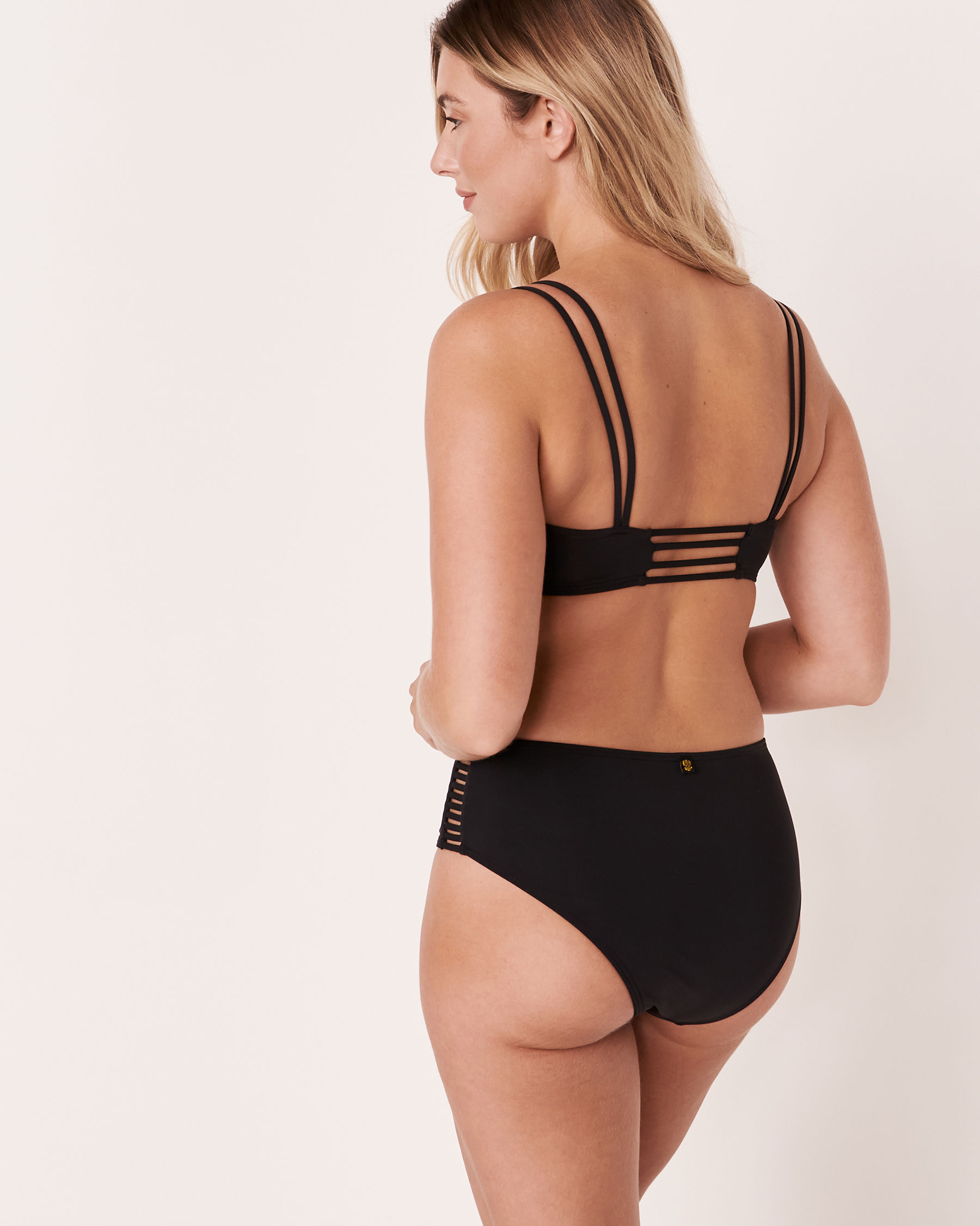 LA VIE EN ROSE AQUA Haut de bikini bralette nouée SOLID Noir 70100089 - Voir3