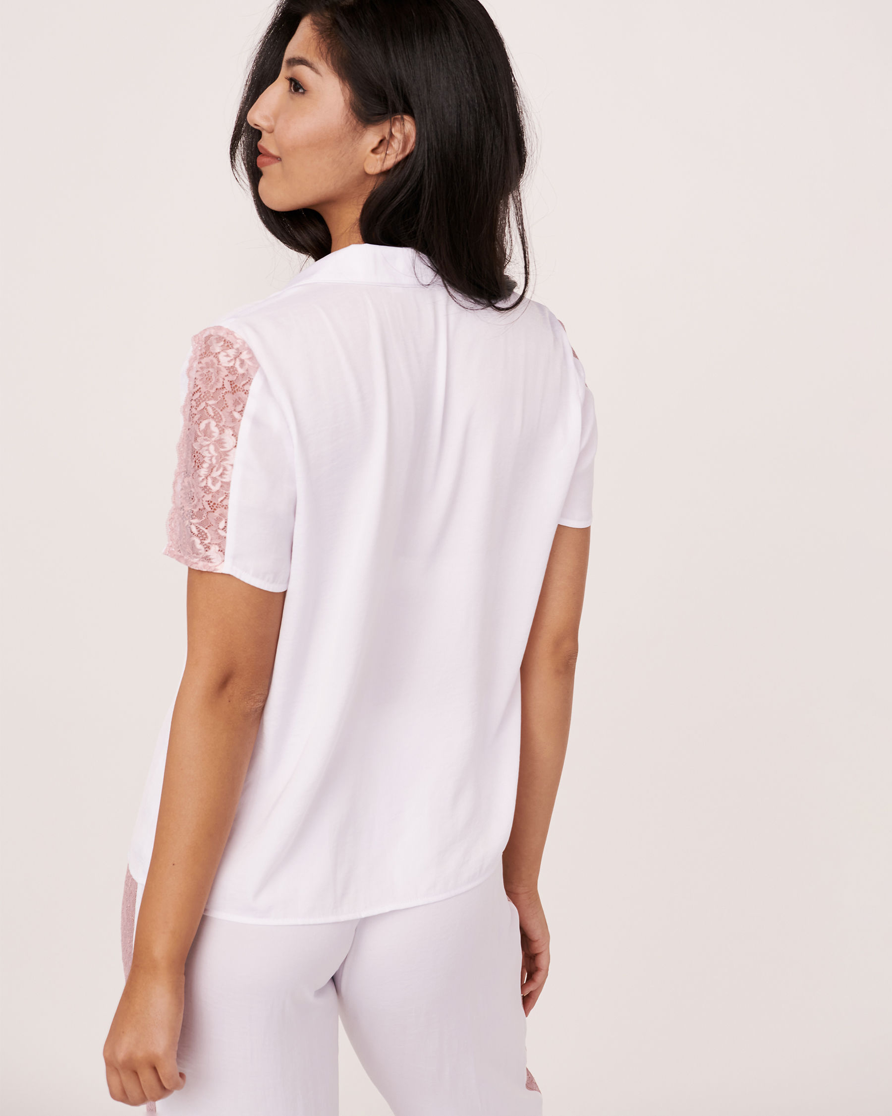 LA VIE EN ROSE Satin Short Sleeves Shirt White 620-415-0-04 - View2