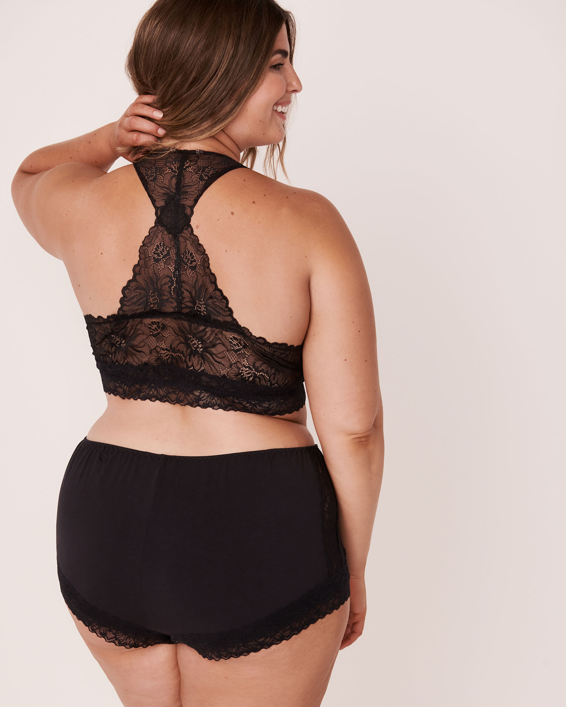 LA VIE EN ROSE Modal Lace Back Crop Cami Black 40100146 - View2