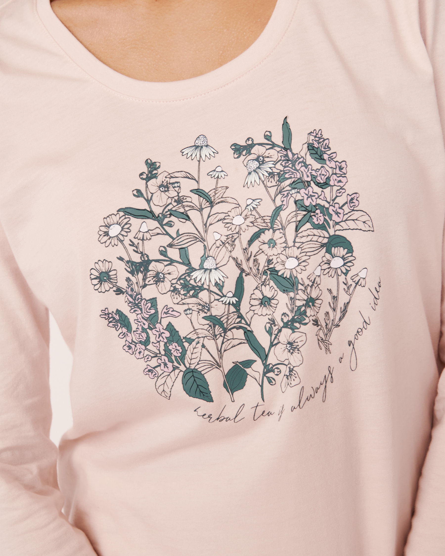 LA VIE EN ROSE Scoop Neck Long Sleeve Shirt Light pink 40100182 - View2