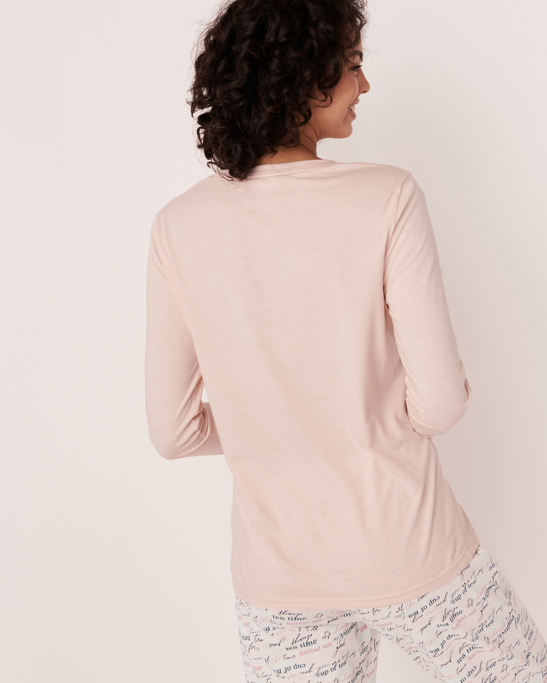LA VIE EN ROSE Scoop Neck Long Sleeve Shirt Light pink 40100182 - View3