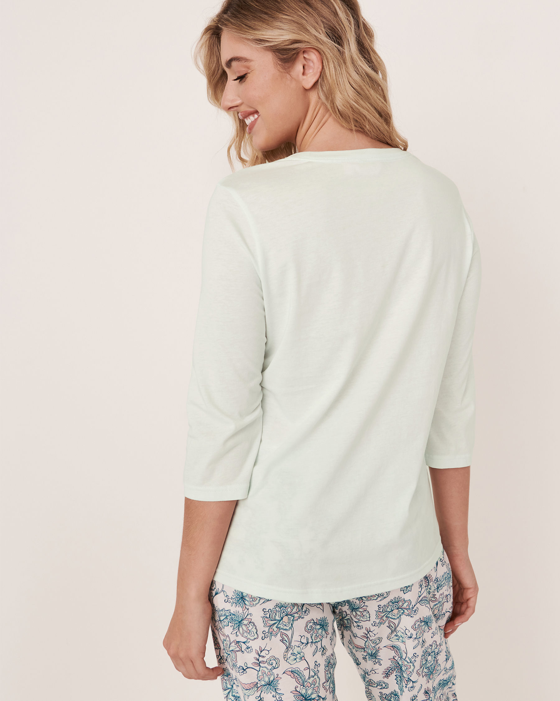 LA VIE EN ROSE V-neckline 3/4 Sleeve Shirt Light aqua 40100179 - View2