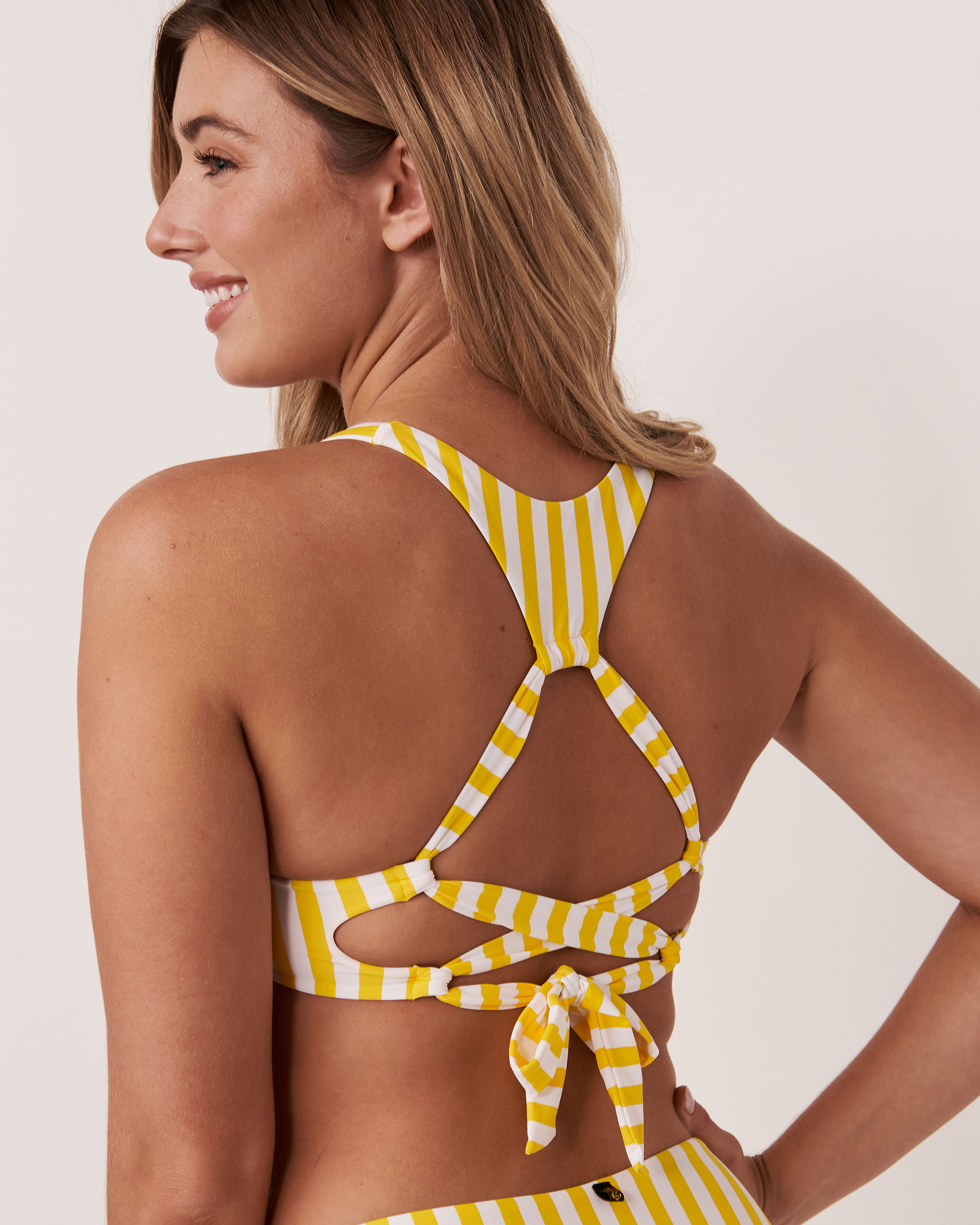 LA VIE EN ROSE AQUA Haut de bikini bralette en fibres recyclées YELLOW SUBMARINE Rayures jaunes et blanches 70100111 - Voir3